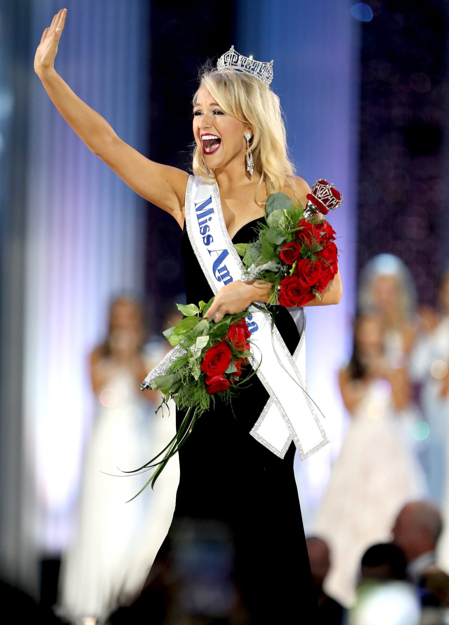 Miss Arkansas Savvy Shields is Crowned at 2017 Miss America