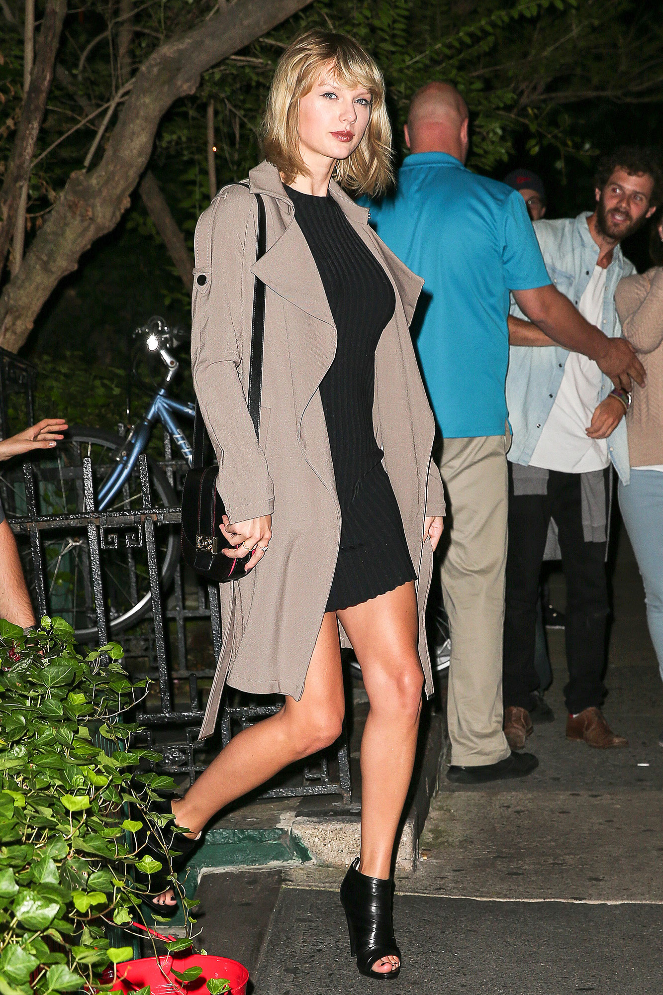 Taylor Swift and friends Cara Delevingne, Suki Waterhouse are seen after dinner leaving 'Waverly Inn' in the west village in New York City, NY, USA.