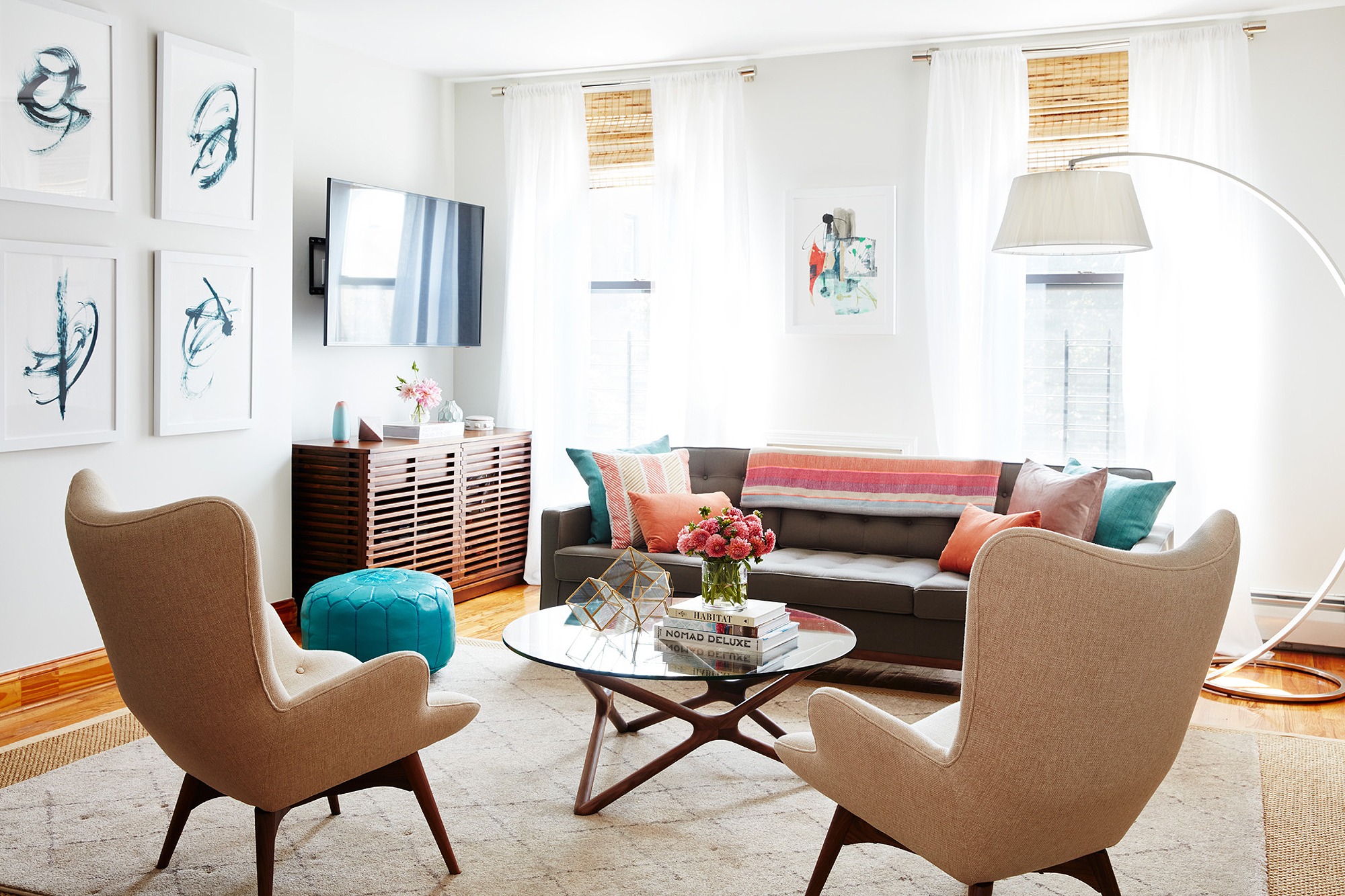 Orange is the New Black actress Adrienne Moore's home tour from Domino