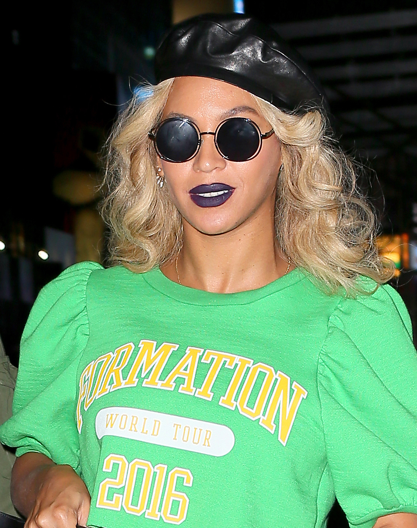 BeyoncÈ carries a 'Real' Gucci bag as she leaves her Midtown Office