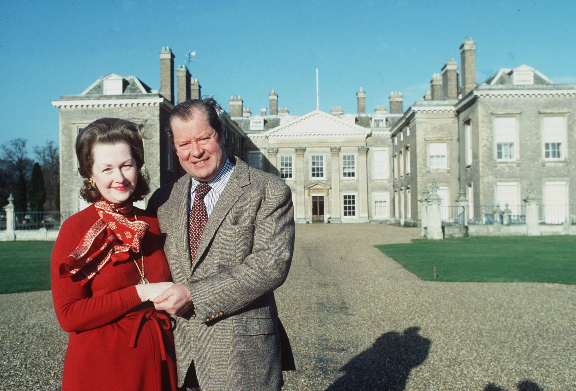 ALTHORP, UNITED KINGDOM - JANUARY 01: Earl Spencer And His Wife Raine In Front Of Their Home Althorp House (actual Date Uncertain) At The Time Of The Romance Between Lady Diana Spencer And The Prince Of Wales. (raine Mccorquodale, Countess Raine De Chambrun). (Photo by Tim Graham/Getty Images)