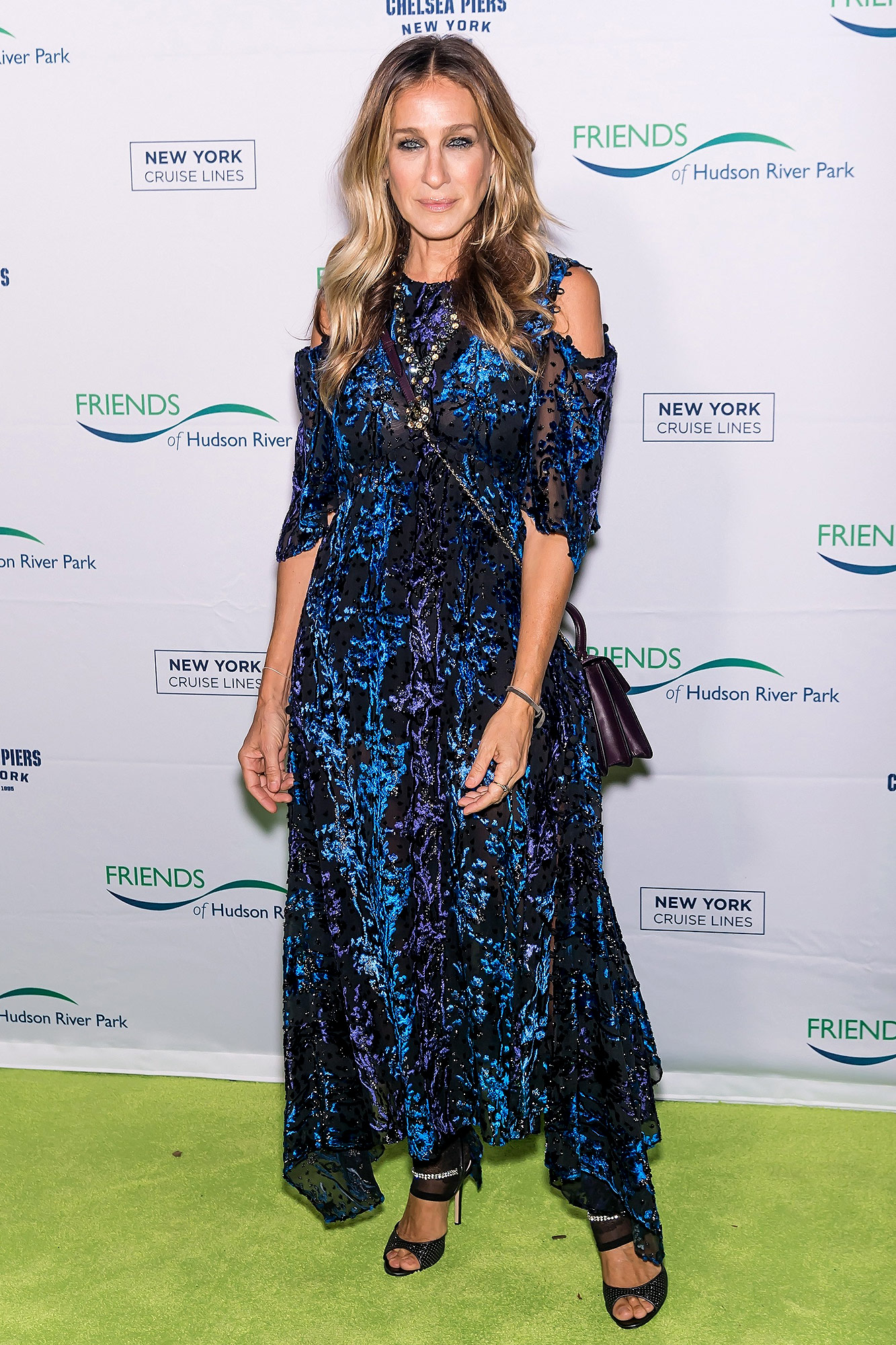 Sarah Jessica Parker attends the 2016 Friends Of Hudson River Park Gala at Hudson River Park's Pier 62 on October 13, 2016 in New York City.
