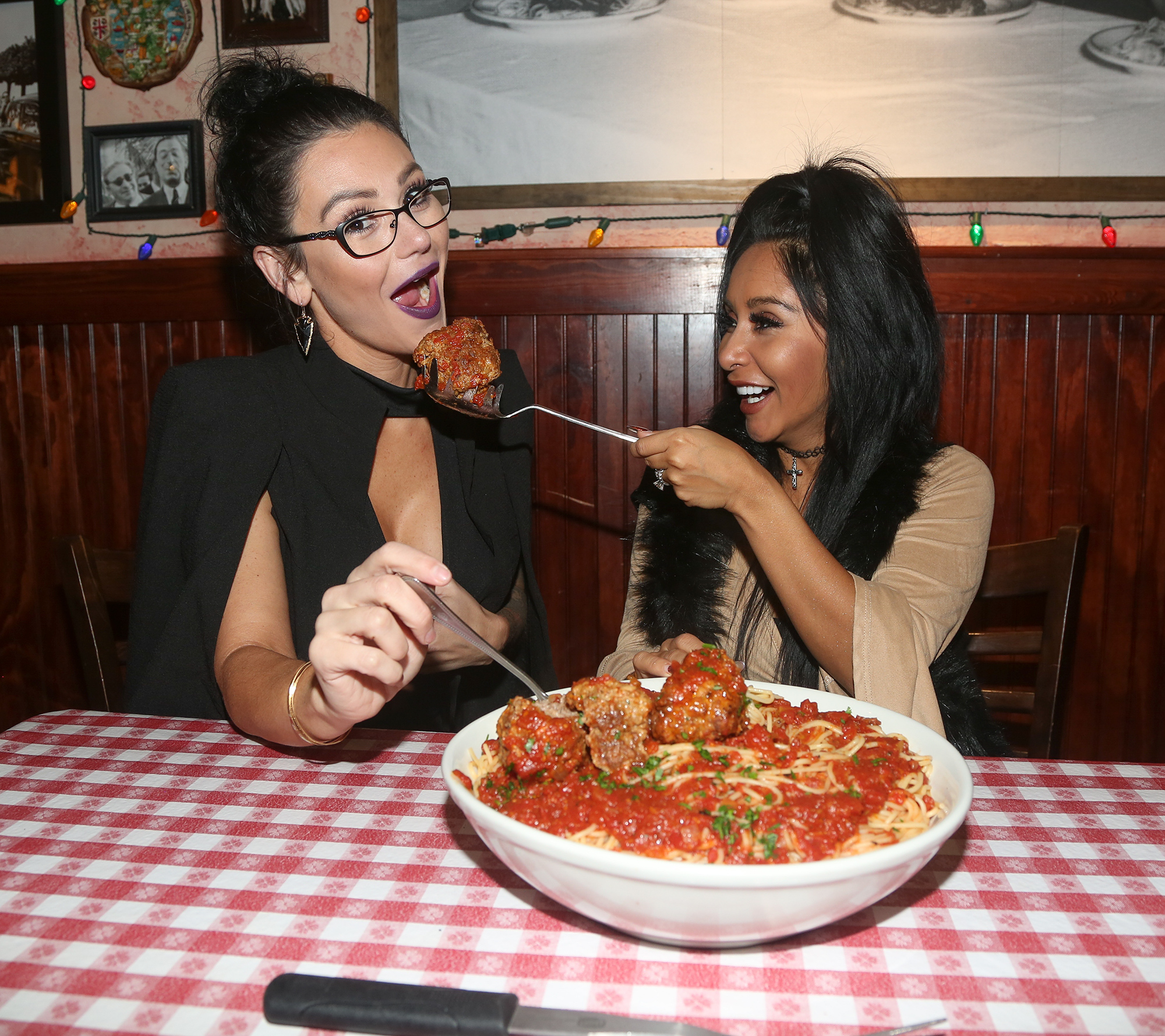 Snooki And JWow Visit Buca di Beppo Times Square