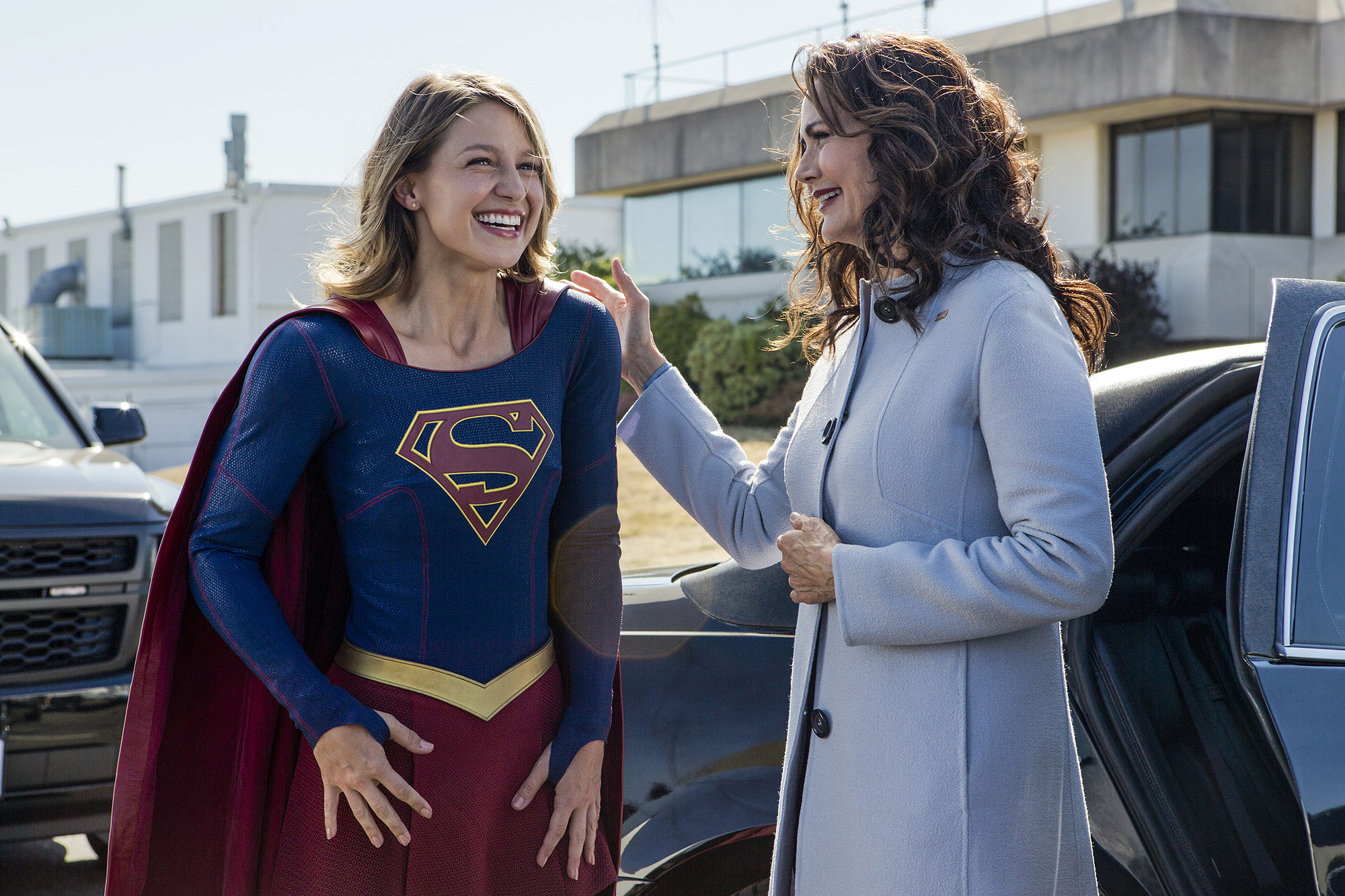 "Supergirl -- ""Welcome to Earth"" -- Image SPG203b_BTS_0273 -- Pictured: Behind the scenes with Melissa Benoist as Kara/Supergirl and guest Lynda Carter as President, Olivia Marsdin"