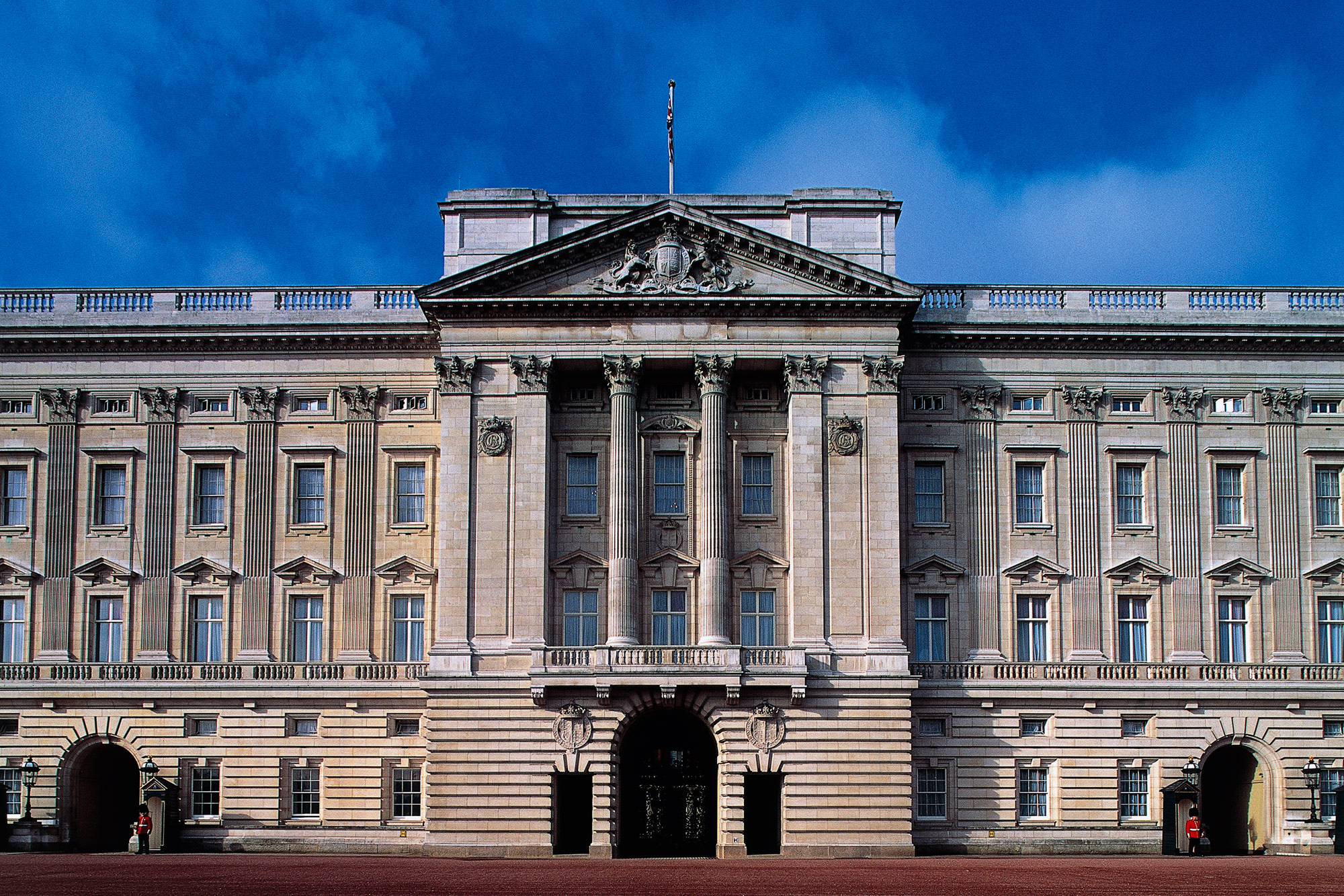 Facade of Buckingham Palace, London residence of the reigning monarch of the United Kingdom, London, England, United Kingdom.