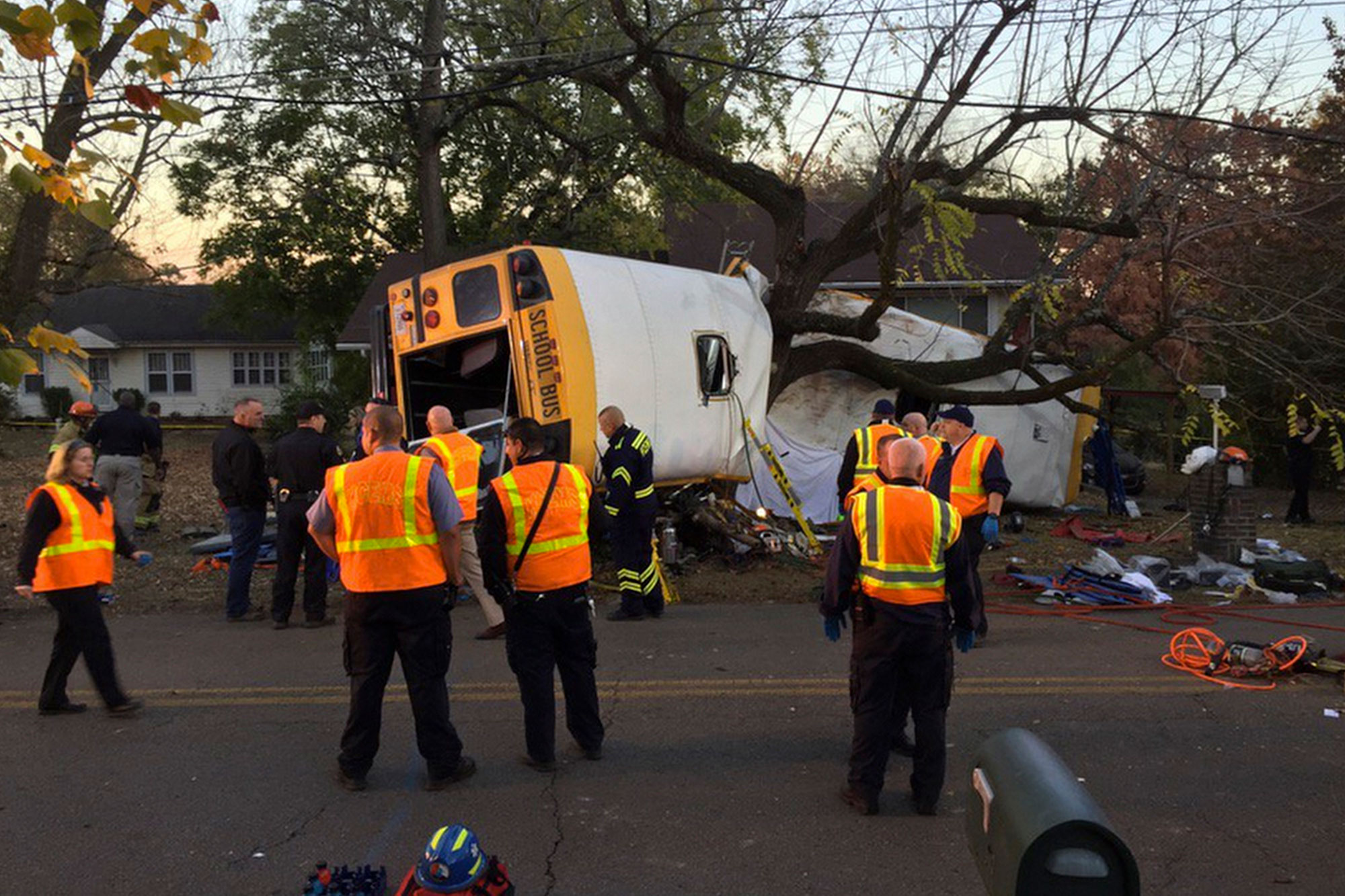 chattanooga-bus-crash-2000