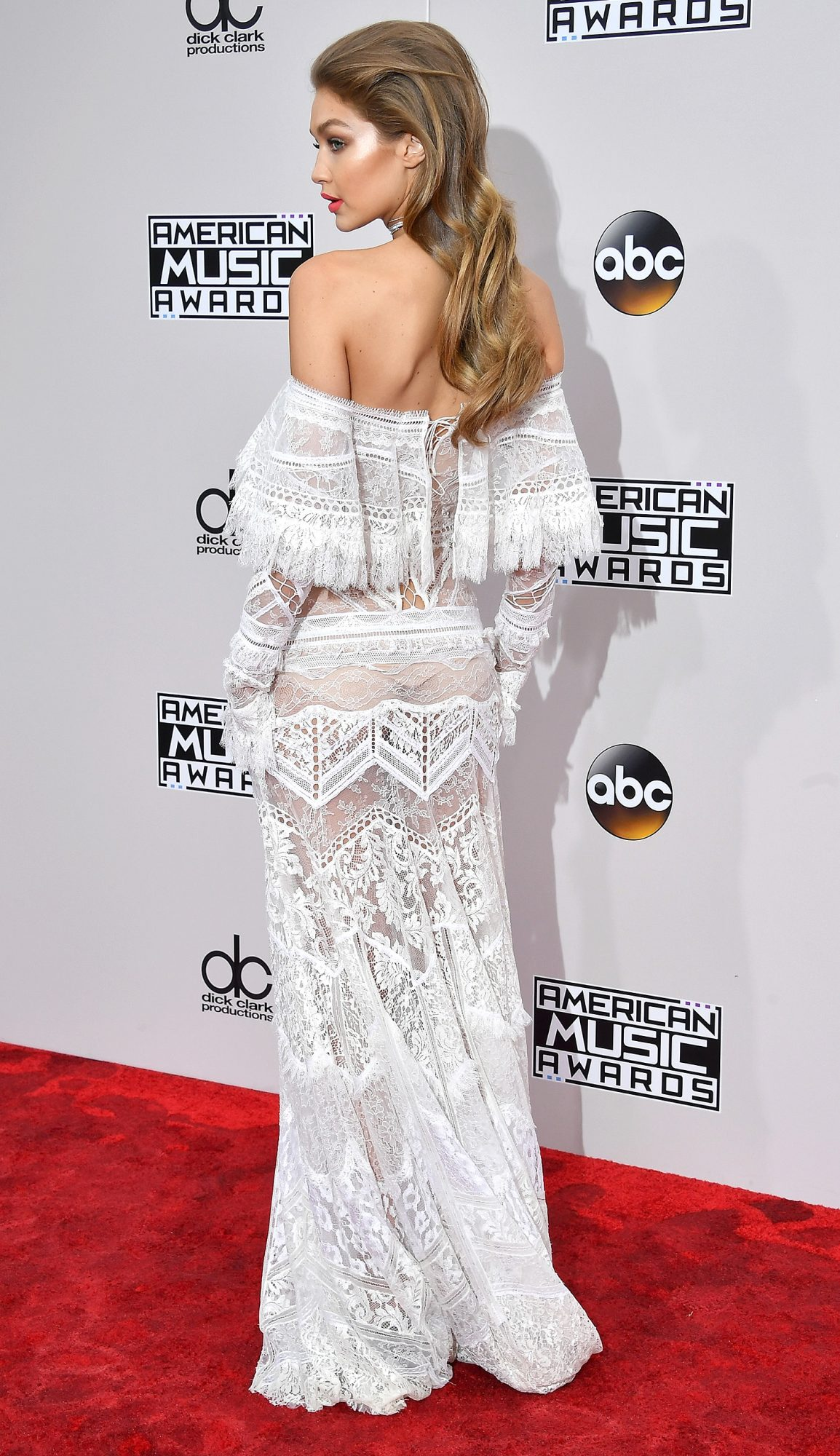 LOS ANGELES, CA - NOVEMBER 20: Model Gigi Hadid attends the 2016 American Music Awards at Microsoft Theater on November 20, 2016 in Los Angeles, California. (Photo by Steve Granitz/WireImage)