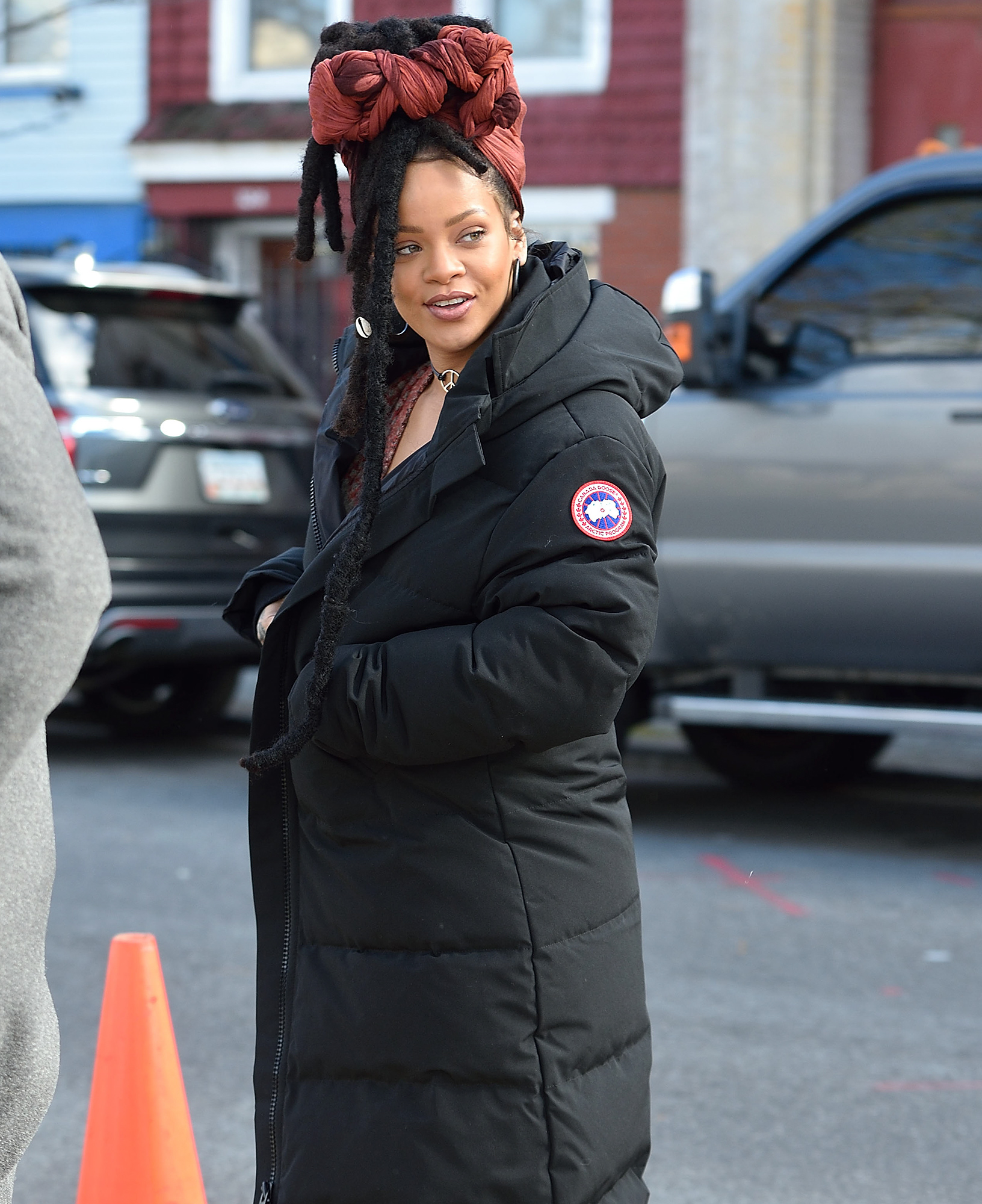 Rihanna and Cate Blanchett on set of Oceans 8 filming in NYC.