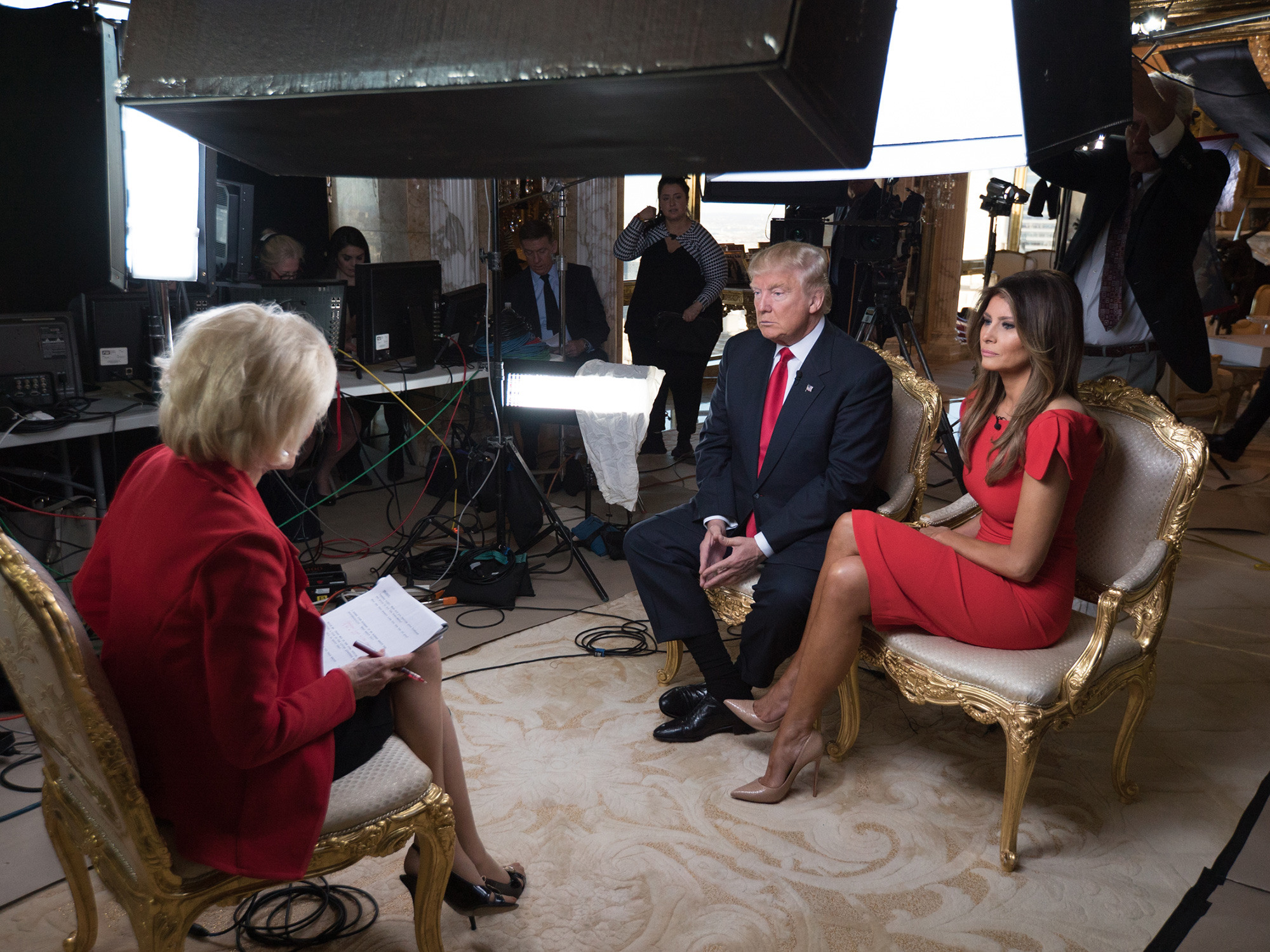 60 MINUTES Correspondent Lesley Stahl interviews President-elect Donald J. Trump and his family including Melania, Ivanka, Tiffany, Eric and Donald, Jr., at his Manhattan home this afternoon(11). The sit-down was his first post-election interview for television and will be broadcast on 60 MINUTES Sunday, Nov. 13 (7;00-8:00PM, ET/PT) on the CBS Television Network. PHOTO CREDIT: Chris Albert for CBSNews/60MINUTES