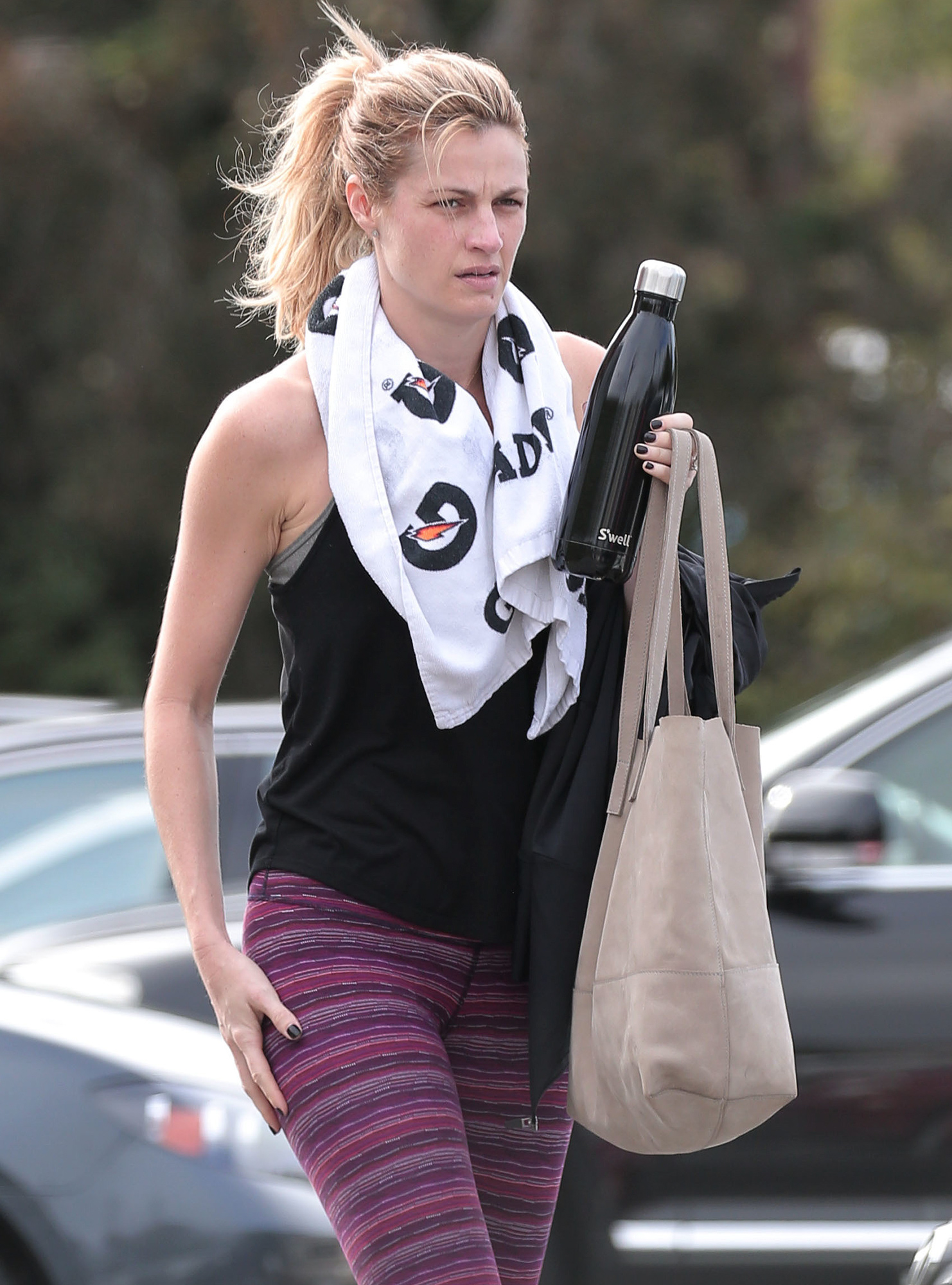 EXCLUSIVE: A newly engaged, make-up free Erin Andrews wears her engagement ring after a grueling workout in Los Angeles