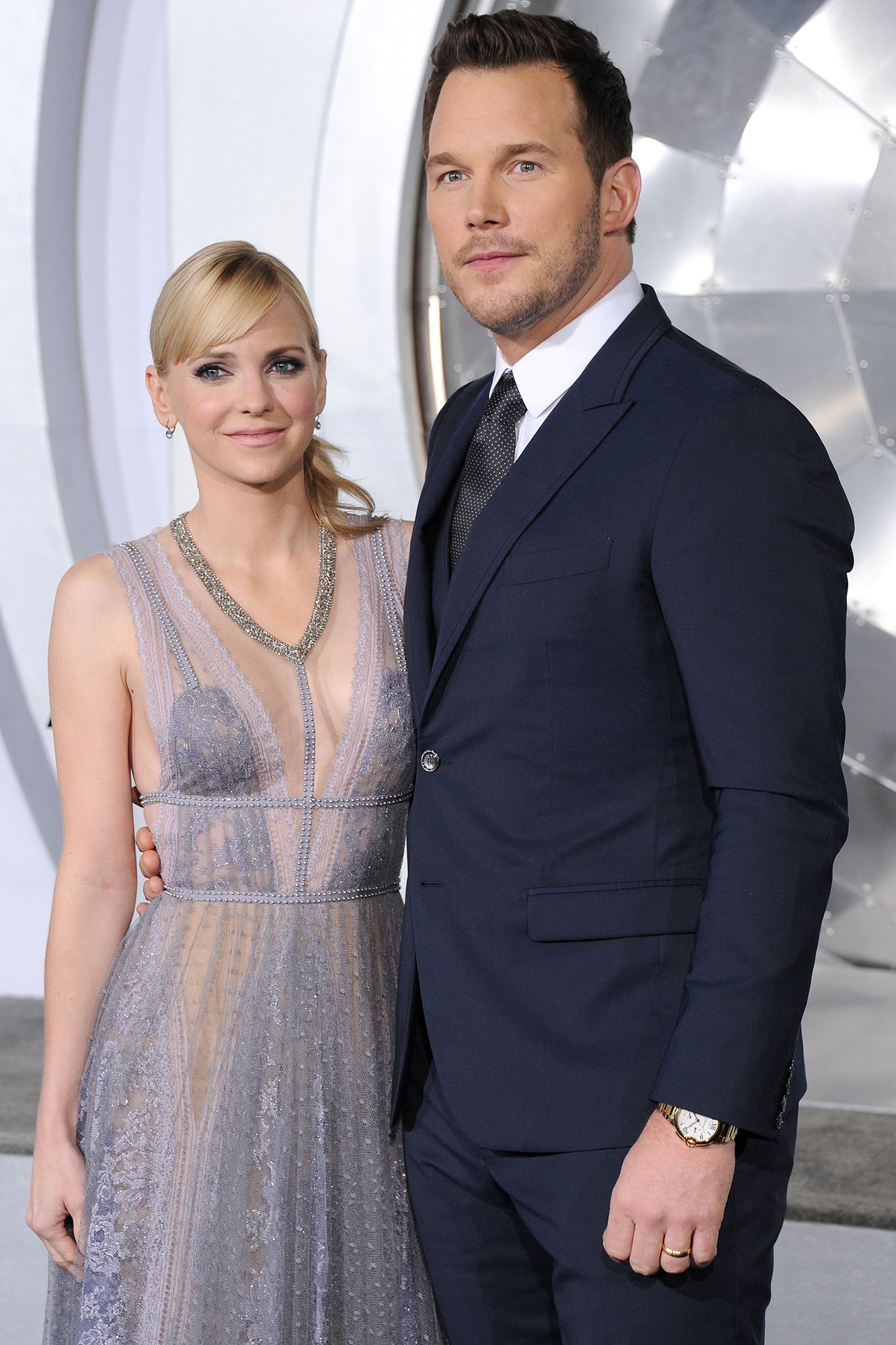 """Anna Faris and Chris Pratt arrive at the premiere of Columbia Pictures' """"Passengers"""" at Regency Village Theatre on December 14, 2016 in Westwood, California."""
