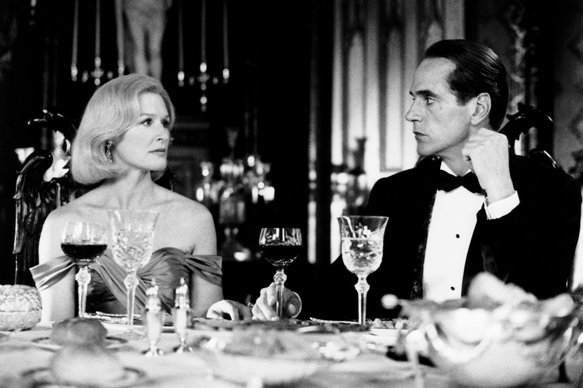 REVERSAL OF FORTUNE, from left, Glenn Close, Jeremy Irons, 1990, ©Warner Brothers./Courtesy Everett Collection.