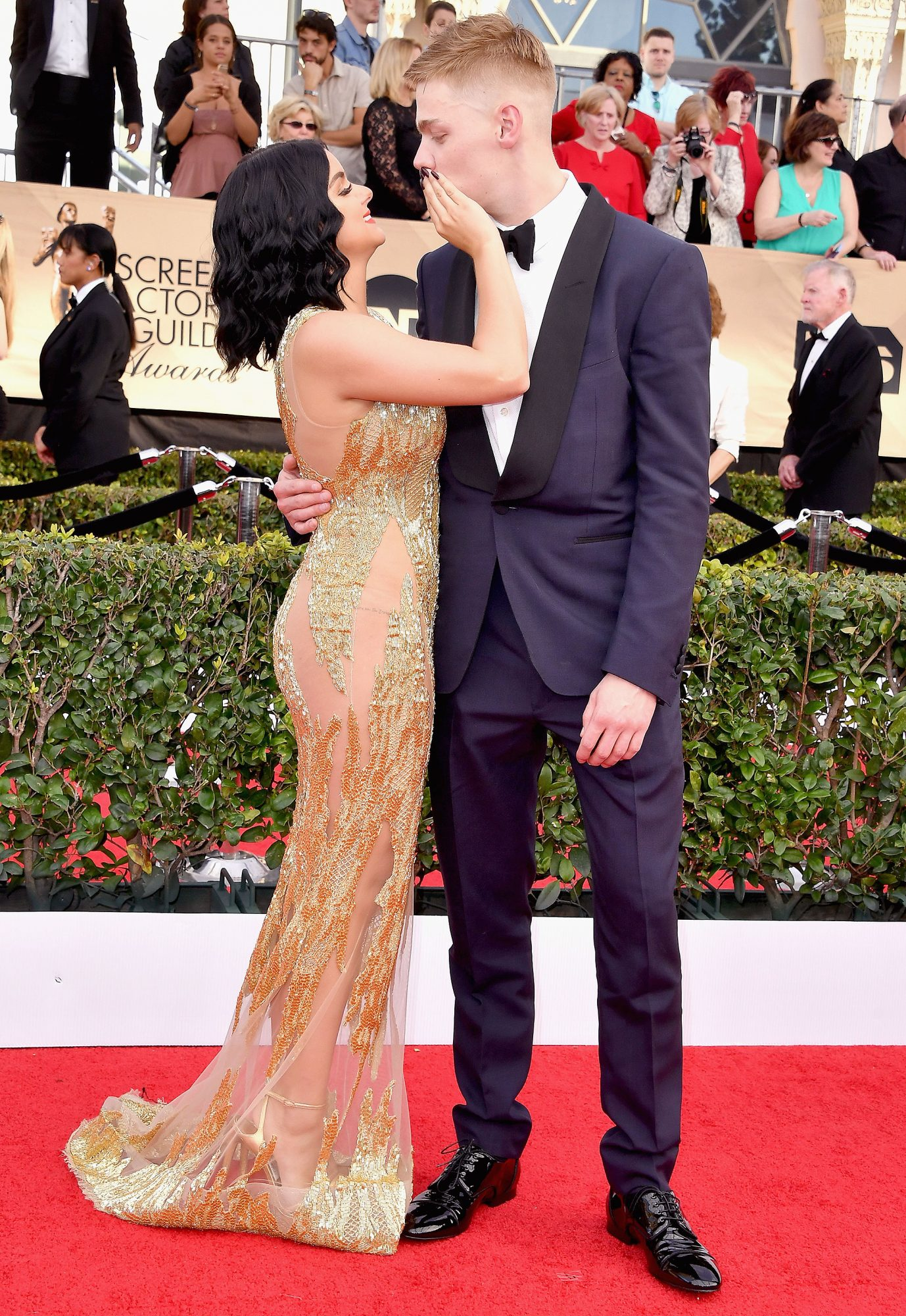LOS ANGELES, CA - JANUARY 29: Actors Ariel Winter (L) and Levi Meaden attend the 23rd Annual Screen Actors Guild Awards at The Shrine Expo Hall on January 29, 2017 in Los Angeles, California. (Photo by Steve Granitz/WireImage)