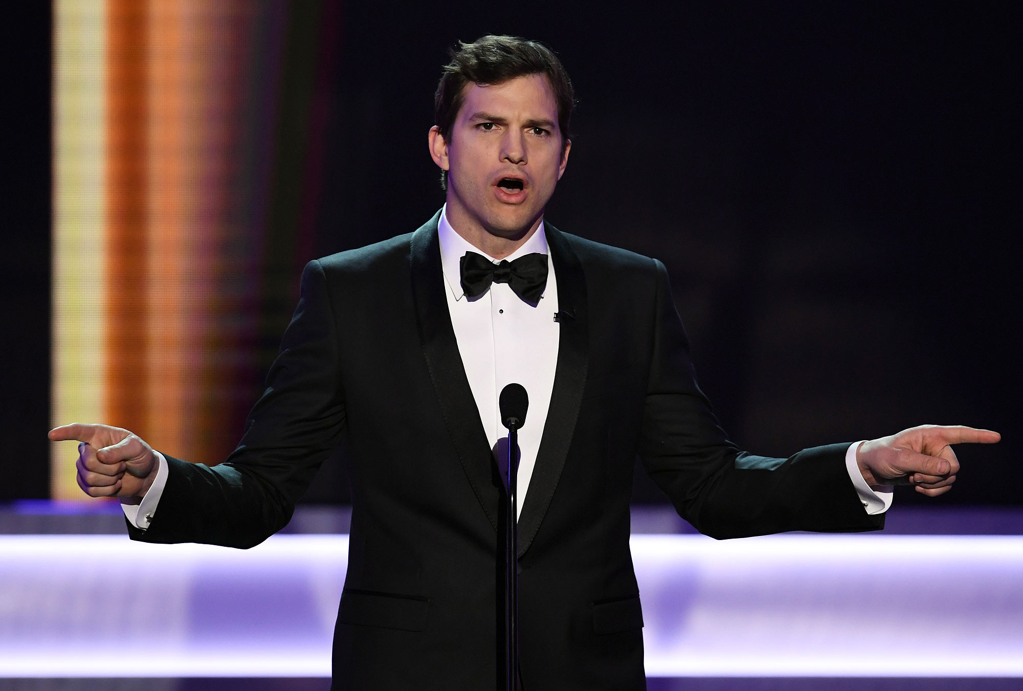 LOS ANGELES, CA - JANUARY 29: Actor Ashton Kutcher speaks onstage during The 23rd Annual Screen Actors Guild Awards at The Shrine Auditorium on January 29, 2017 in Los Angeles, California. 26592_014 (Photo by Kevin Winter/Getty Images )