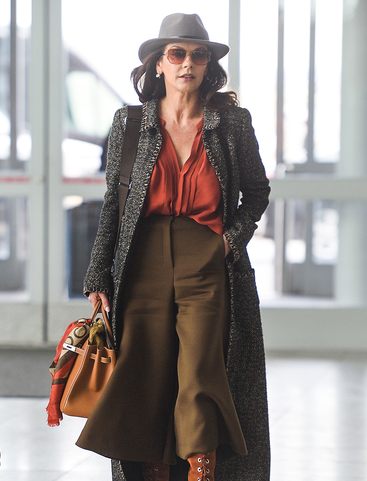 EXCLUSIVE: Catherine Zeta-Jones Looks Glamorous While Arriving to an Airport