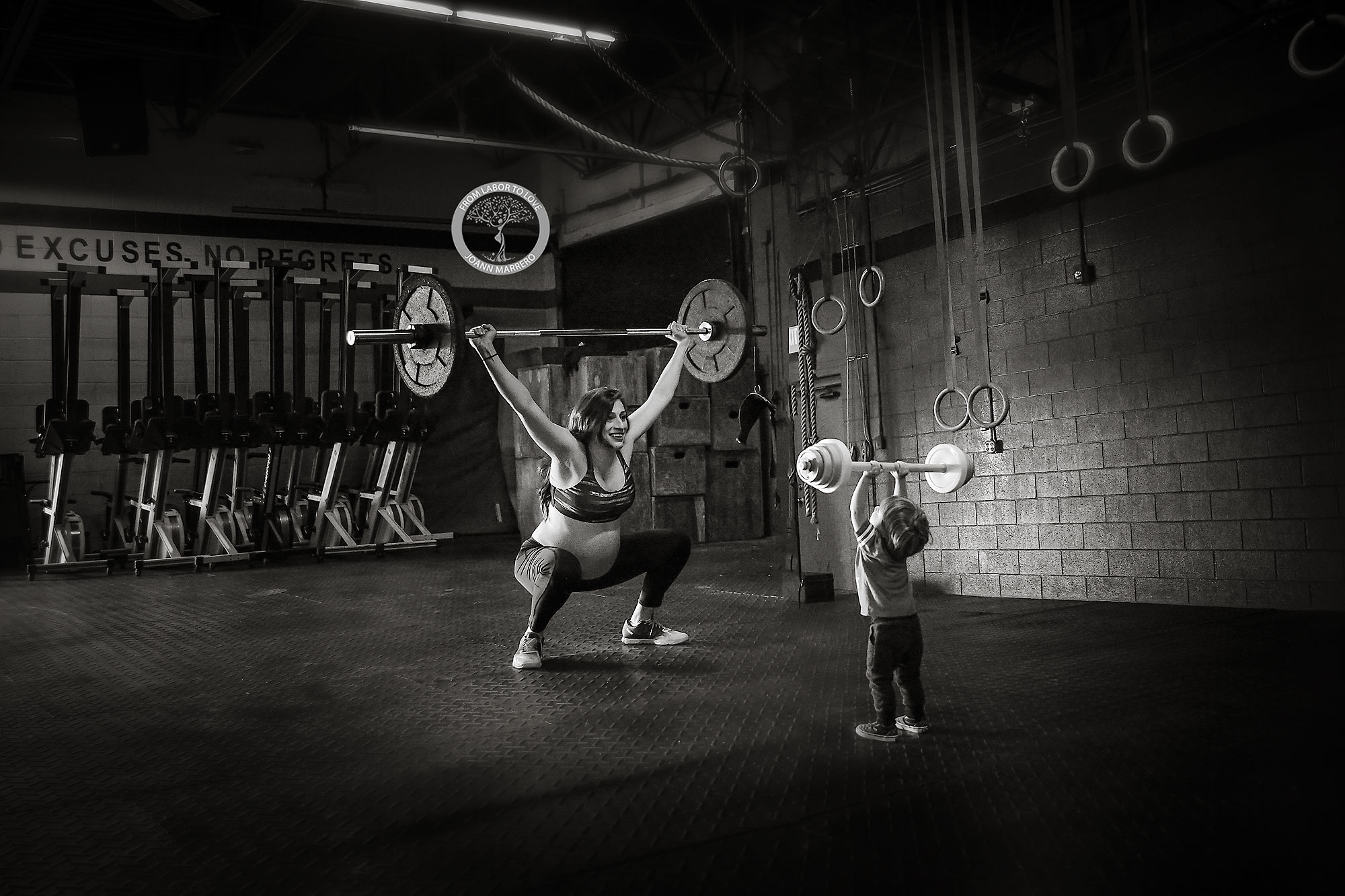 crossfit maternity shoot
