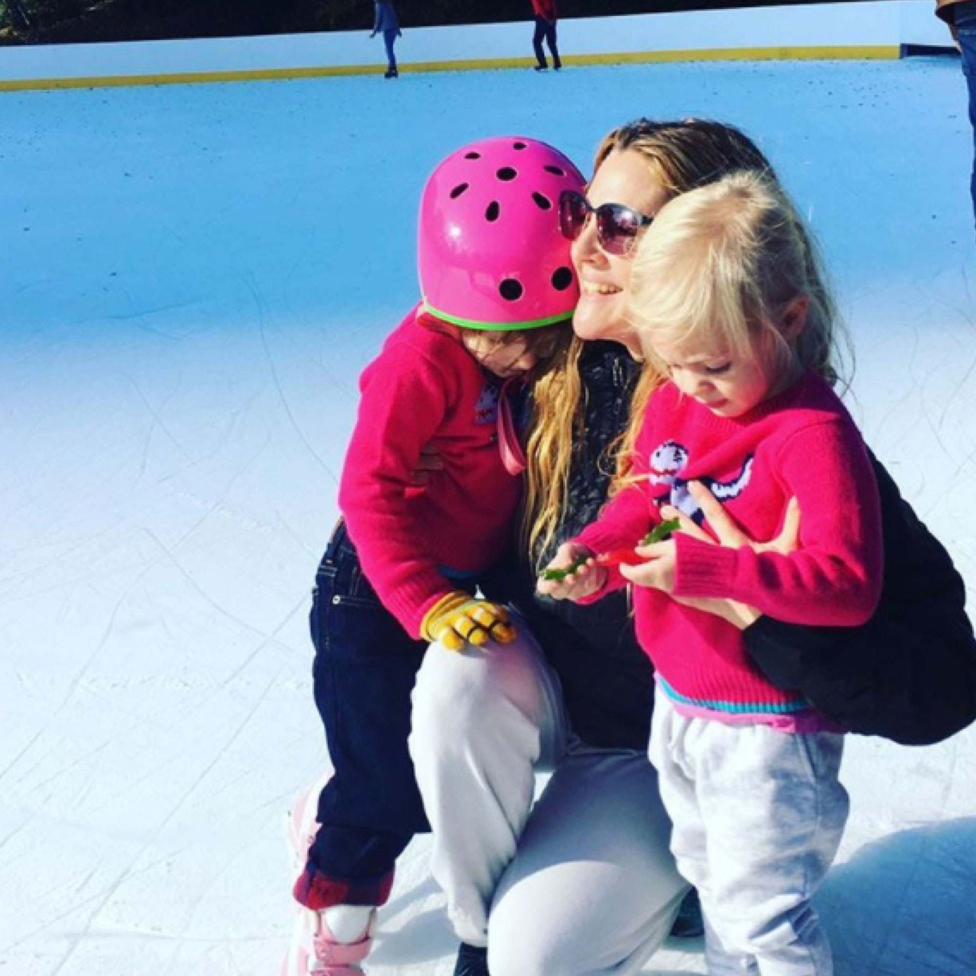 nov. 20, 2016 drewbarrymore#people I love these are the loves of my life. #myolive #myfrankie all I wanted to do this week was reflect. Think about people and moments that make life make sense to me. That make life amazing. That motivate me to be my best self. I feel so lucky. And after just living the last few days in all things positive, it was good for me to reflect on things that truly make me happy. Drew Barrymore and his kids on her instagram page
