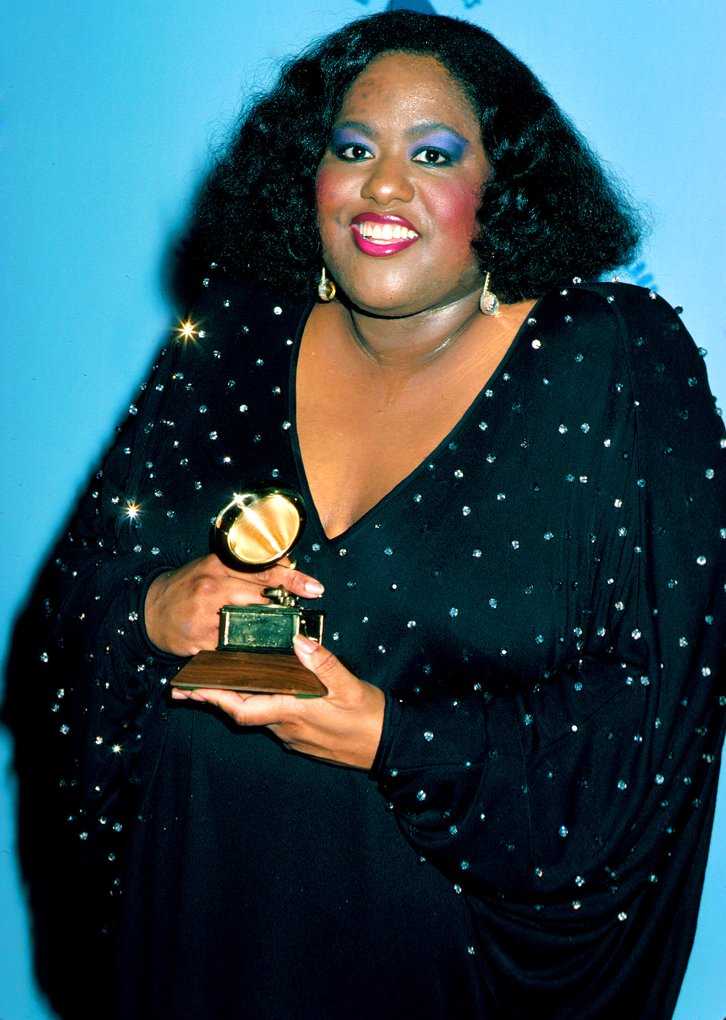 Singer Jennifer Holliday holding her award at Grammy Awards. (Photo by Time Life Pictures/DMI/The LIFE Picture Collection/Getty Images)