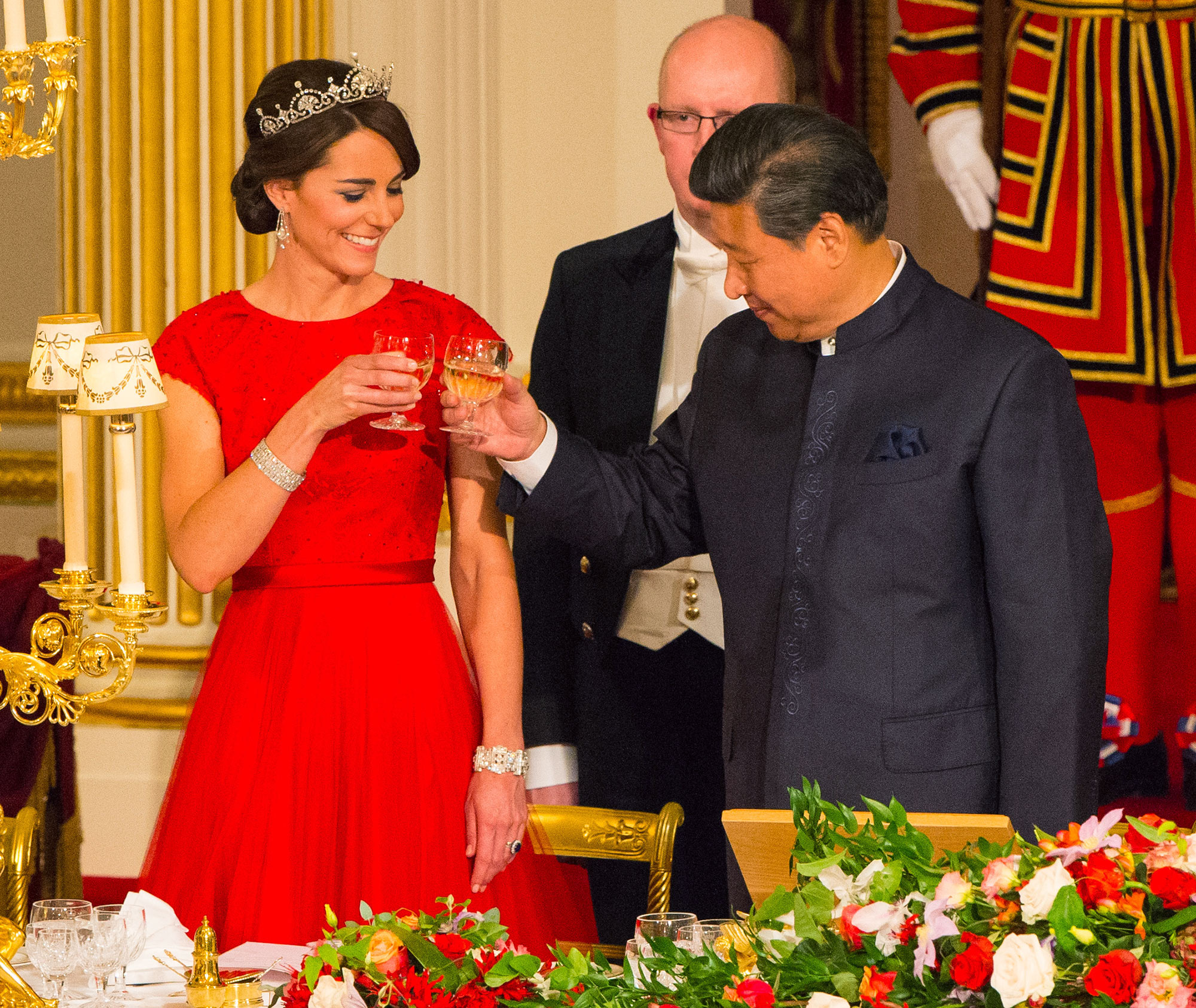 LONDON, ENGLAND - OCTOBER 20: Chinese President Xi Jinping and Catherine, Duchess of Cambridge attend a state banquet at Buckingham Palace on October 20, 2015 in London, England. The President of the People's Republic of China, Mr Xi Jinping and his wife, Madame Peng Liyuan, are paying a State Visit to the United Kingdom as guests of the Queen. They will stay at Buckingham Palace and undertake engagements in London and Manchester. The last state visit paid by a Chinese President to the UK was Hu Jintao in 2005. (Photo by Dominic Lipinski - WPA Pool /Getty Images)