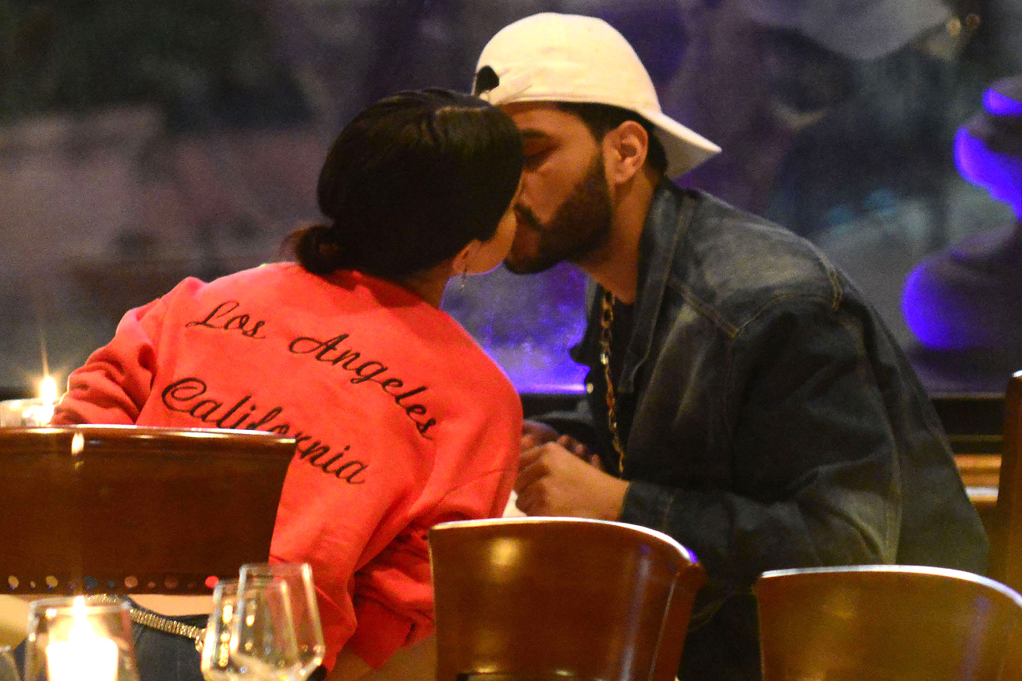 NO WEB*PREMIUM EXCLUSIVE* Selena Gomez and The Weeknd looks absolutely smitten on their romantic getaway