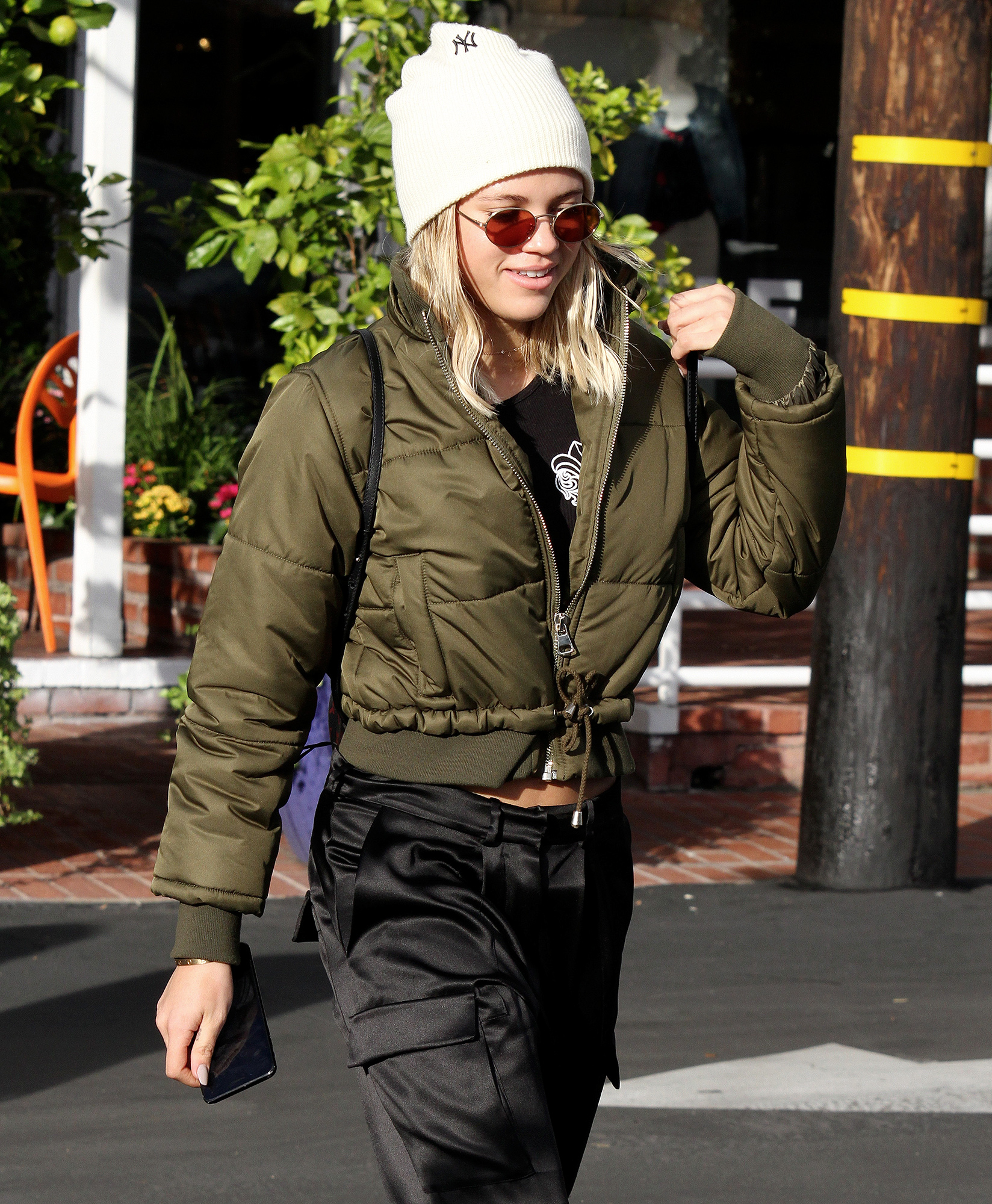 Sofia Richie lunches with friends at Fred Segal in West Hollywood