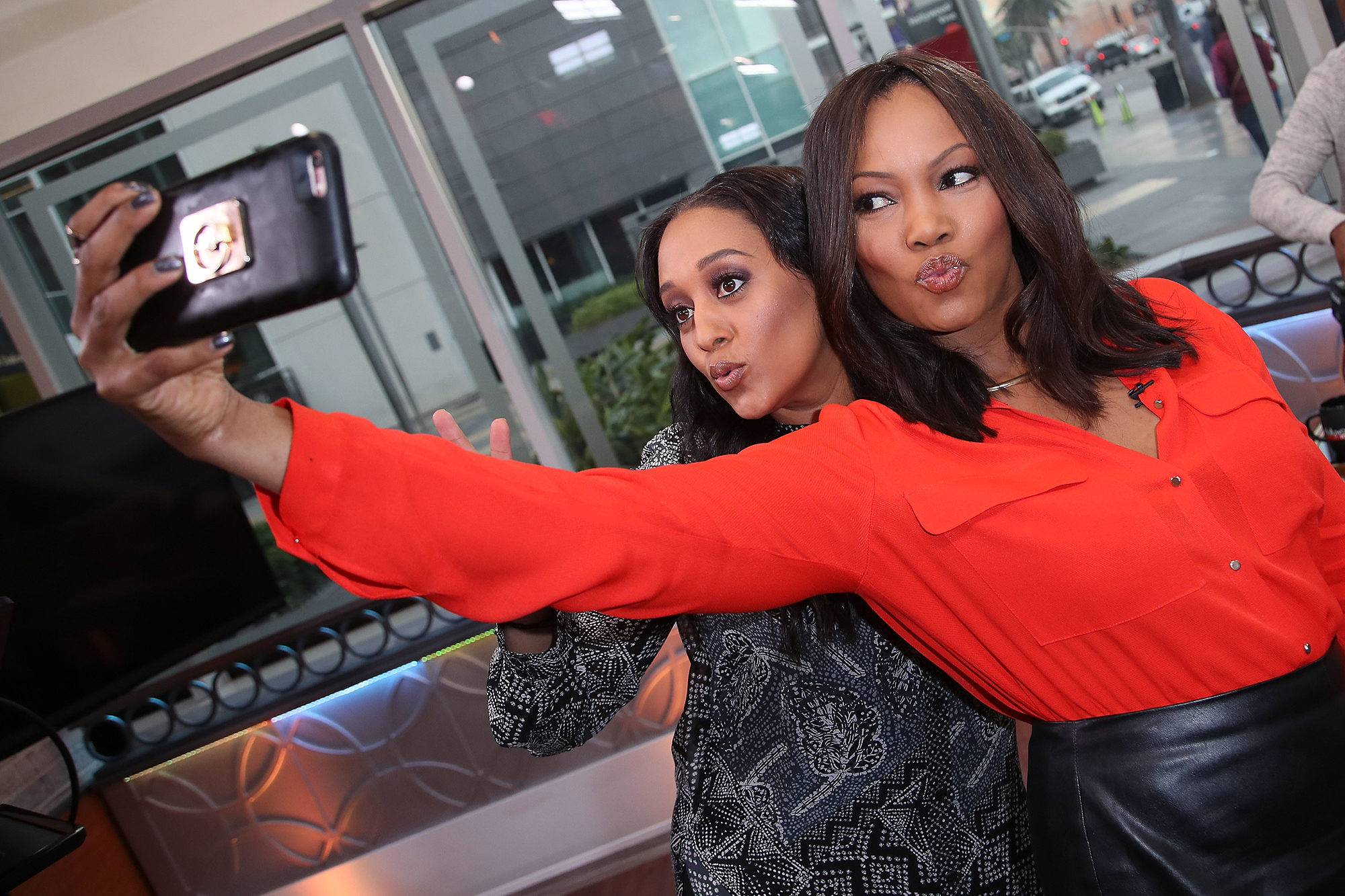 Tia Mowry, John Ross Bowie And James Van Praagh Visit Hollywood Today Live