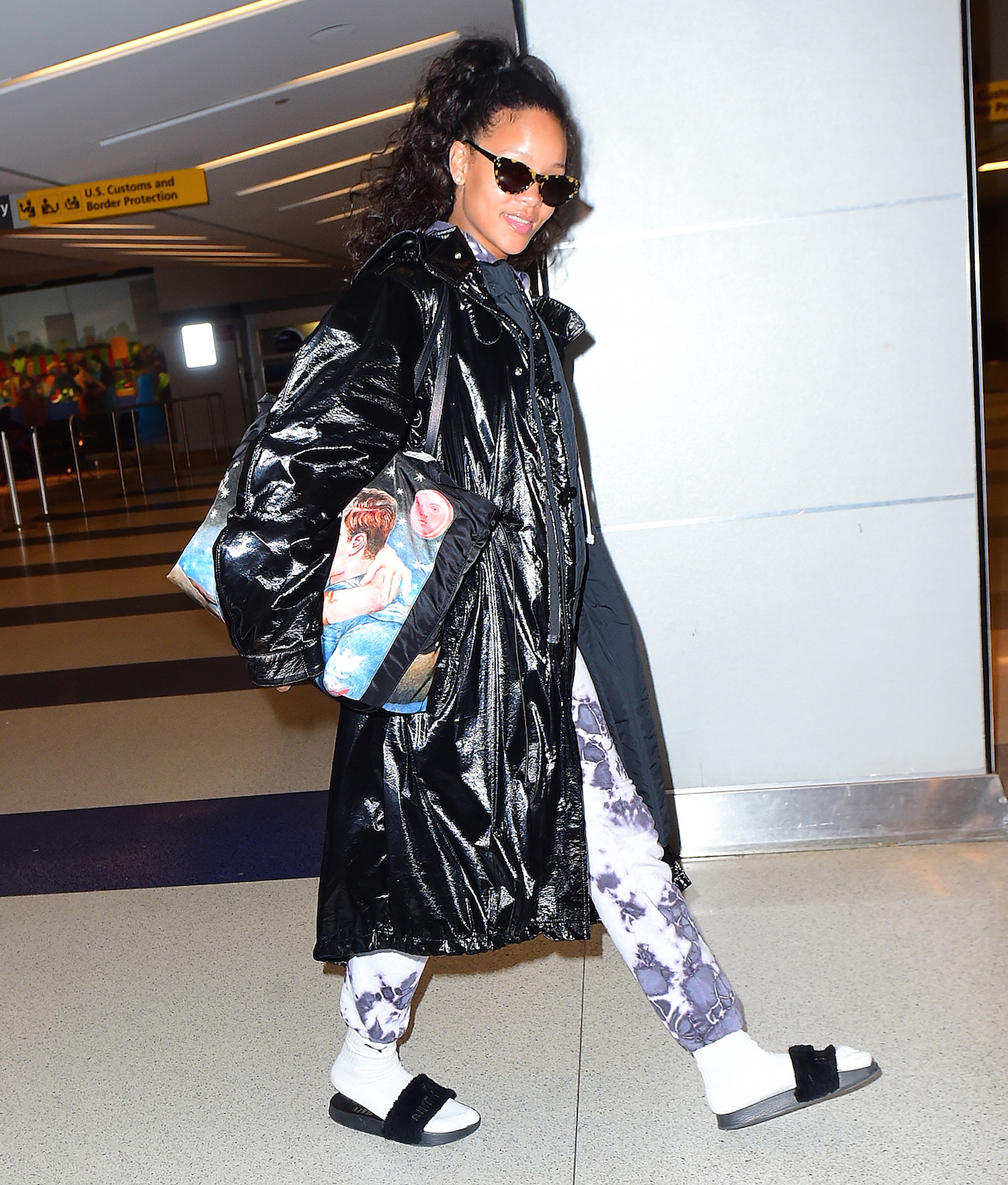 Rihanna Starts Off the Year with a Big Smile after Celebrating New Year's with a Mystery Man in London