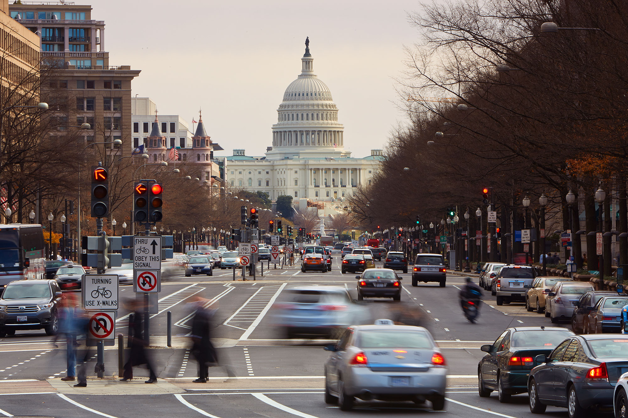 US Capitol building at street