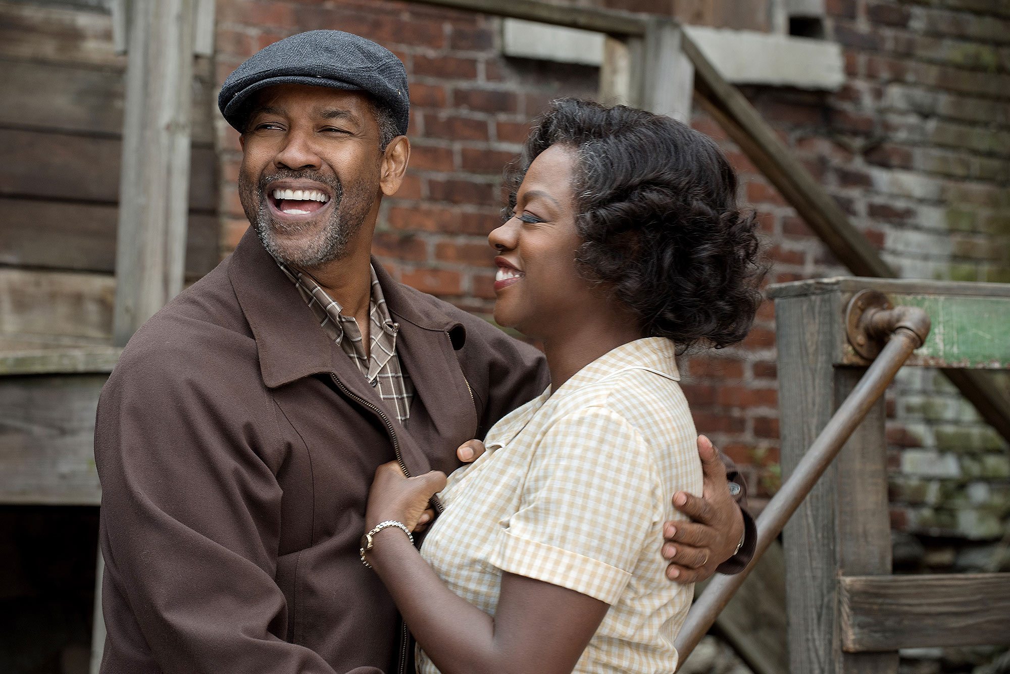 FENCES, from  left, Denzel Washington, Viola Davis, 2016, ph: David Lee, © Paramount / courtesy
