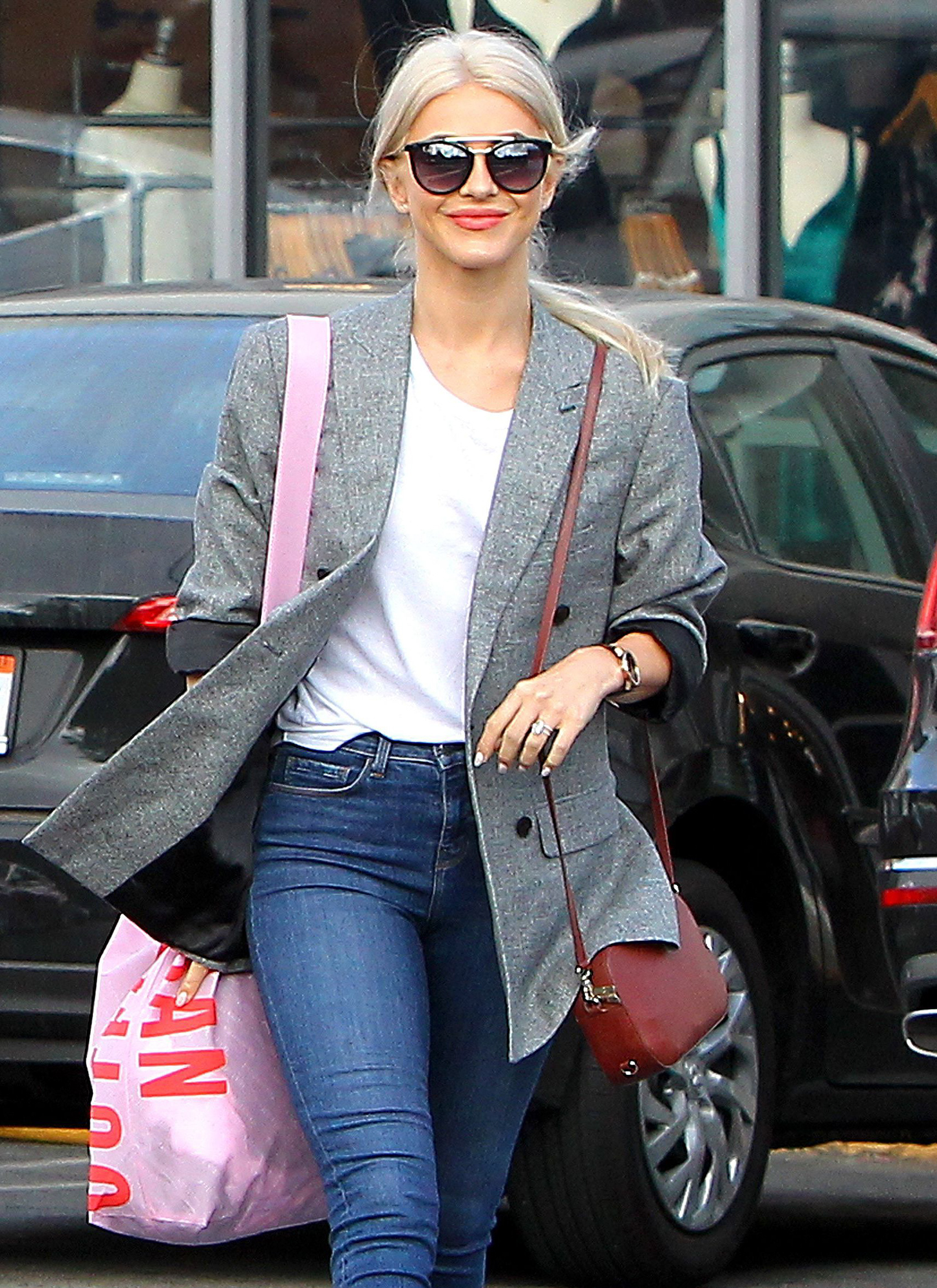 Julianne Hough out and about, Los Angeles, USA - 20 Oct 2017