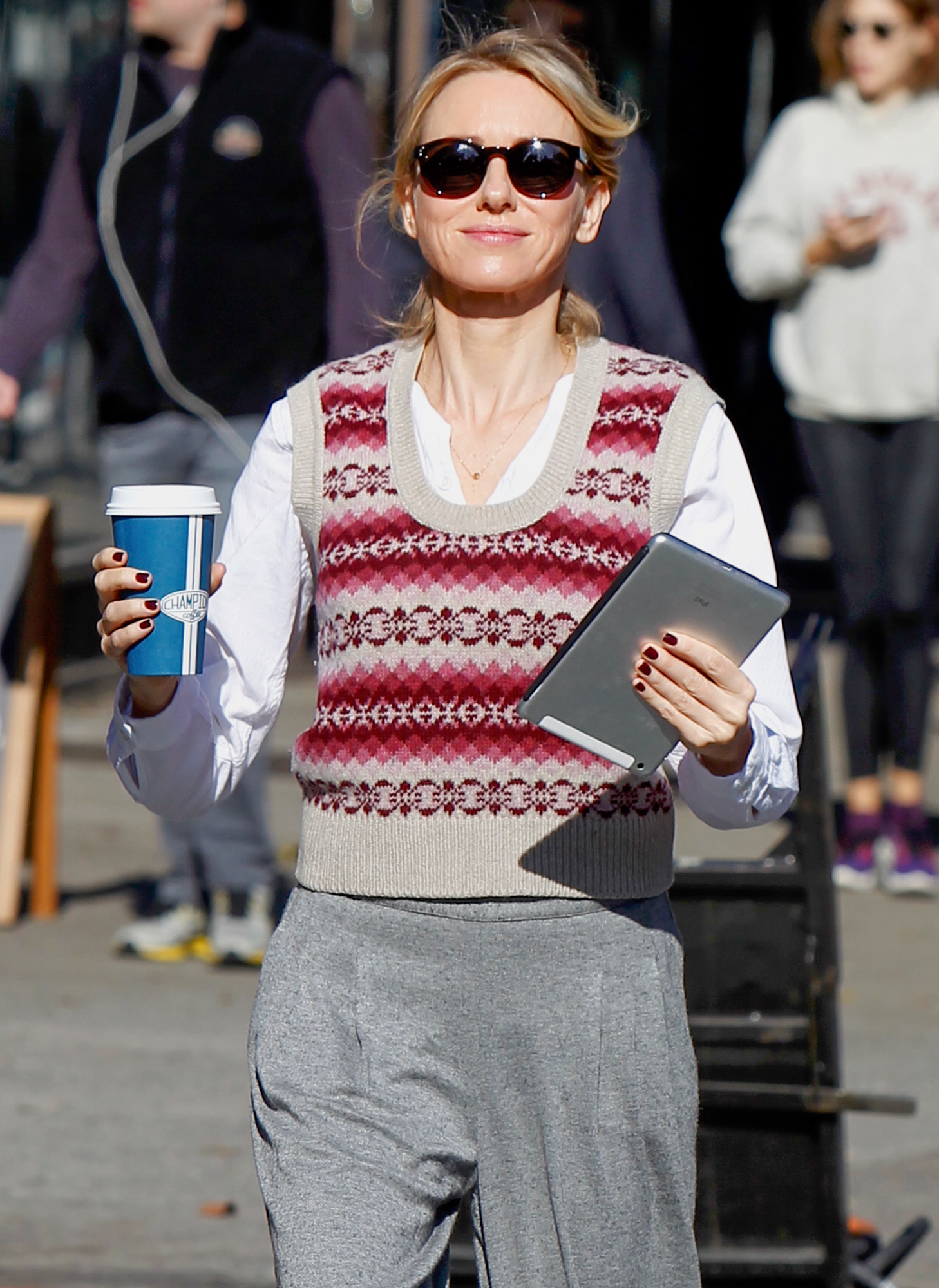"""Naomi Watts enjoying a cup of coffee at the """"Gypsy"""" set in NYC"""