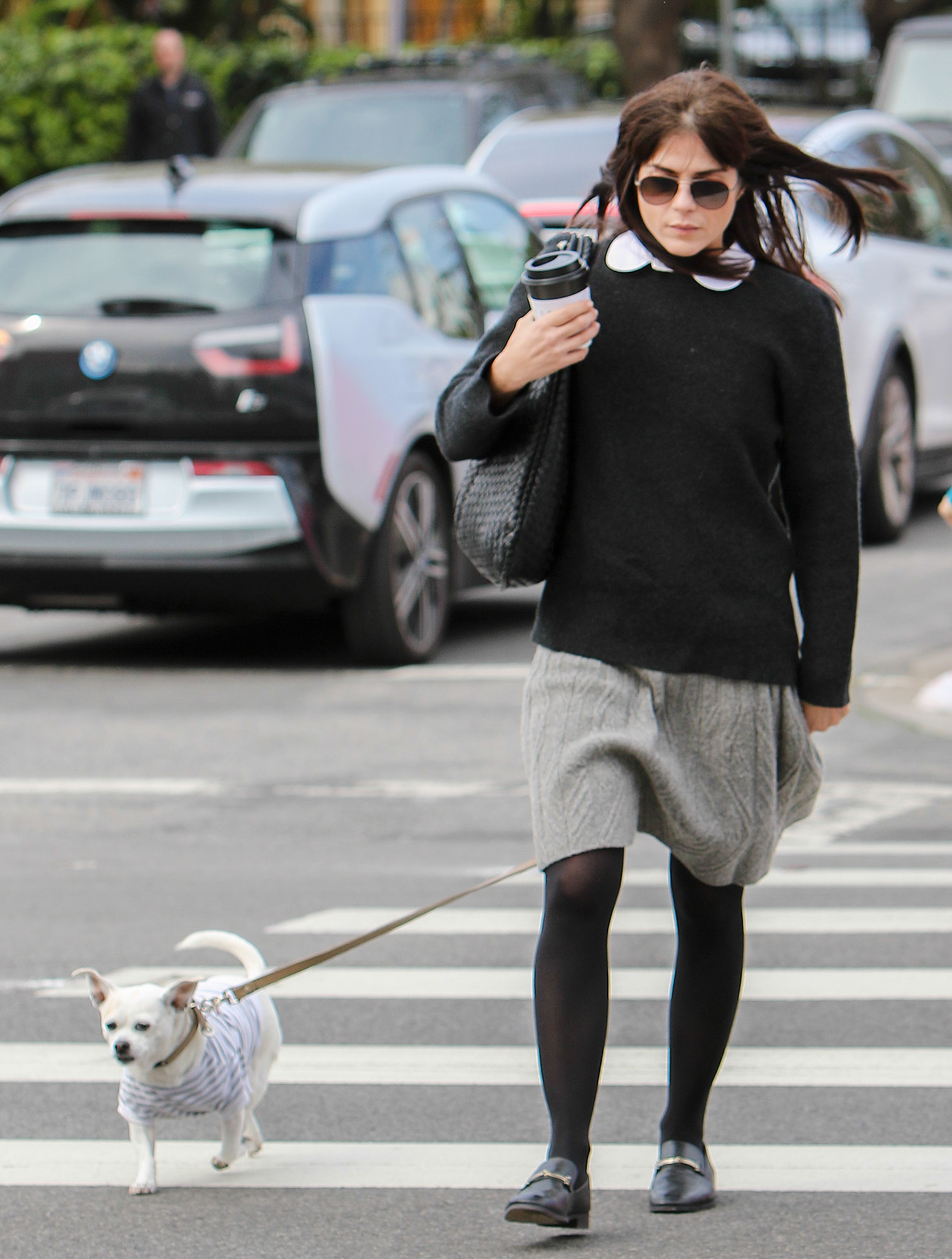 *EXCLUSIVE* Selma Blair leaves Ducky with a stranger for a coffee run