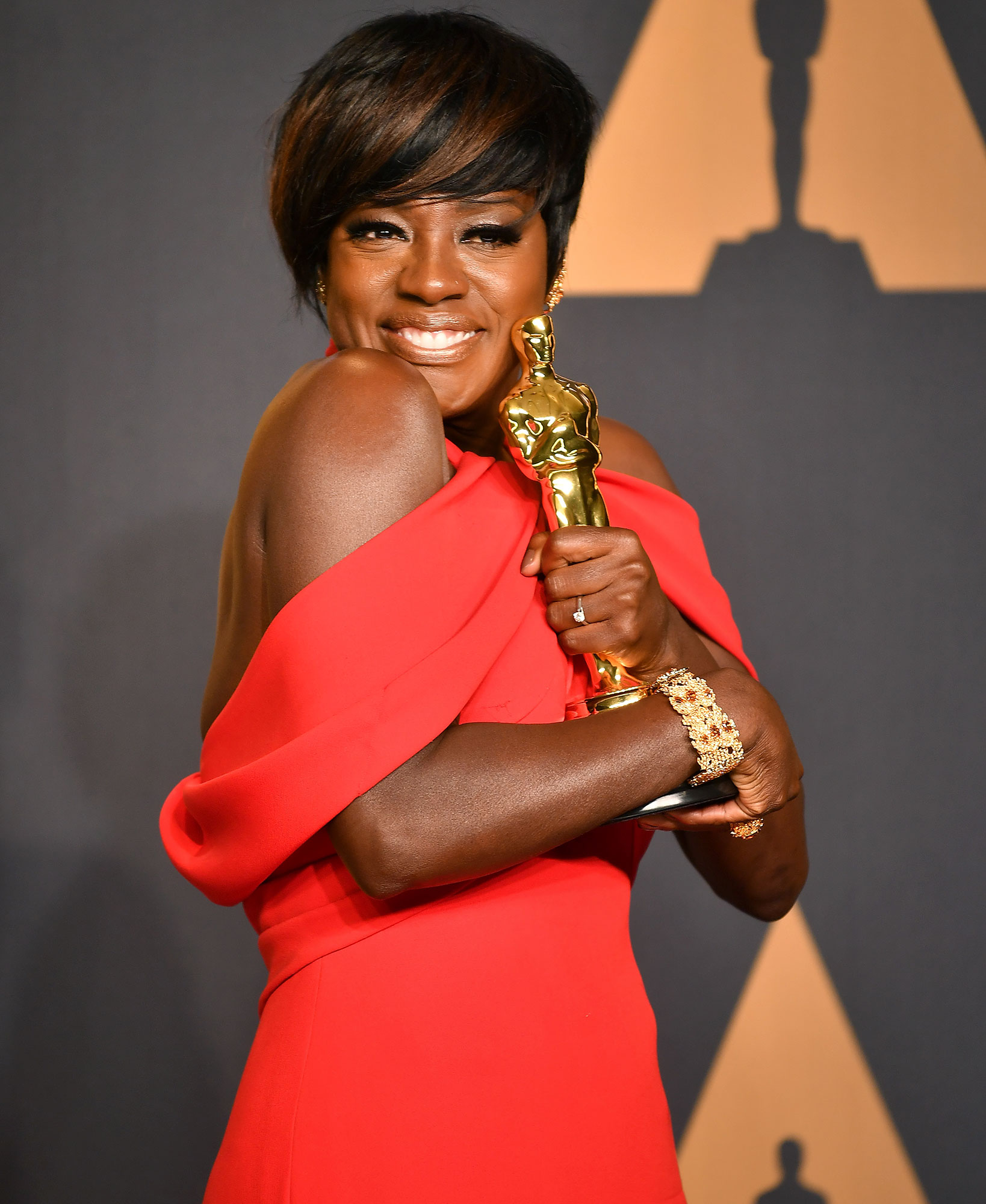 HOLLYWOOD, CA - FEBRUARY 26:  Actor Viola Davis, winner of the Best Supporting Actress Award for her role in 'Fences',  poses in the press room during the 89th Annual Academy Awards at Hollywood & Highland Center on February 26, 2017 in Hollywood, California.  (Photo by Jeff Kravitz/FilmMagic)