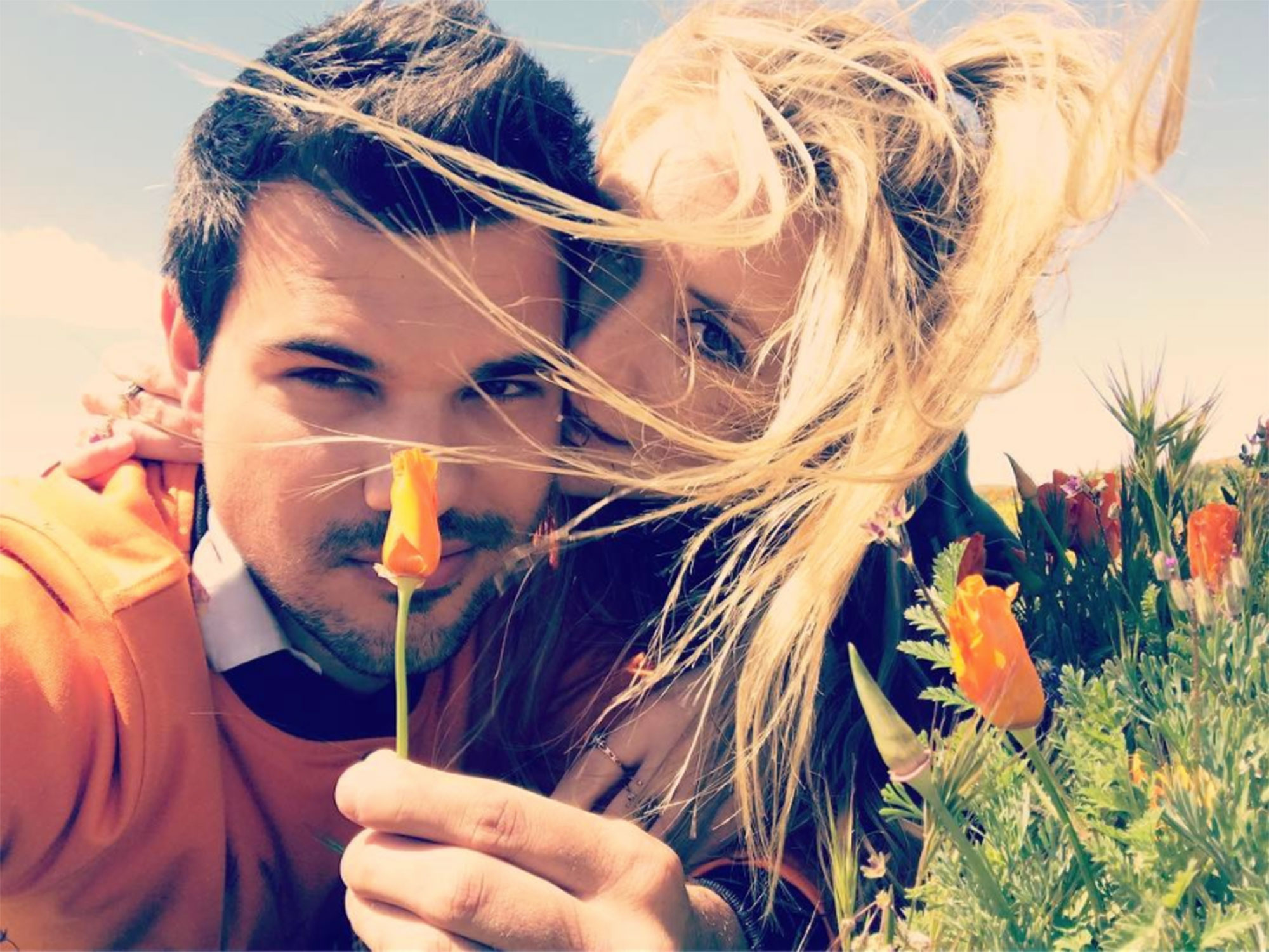 billie-lourd-taylor-lautner-poppies