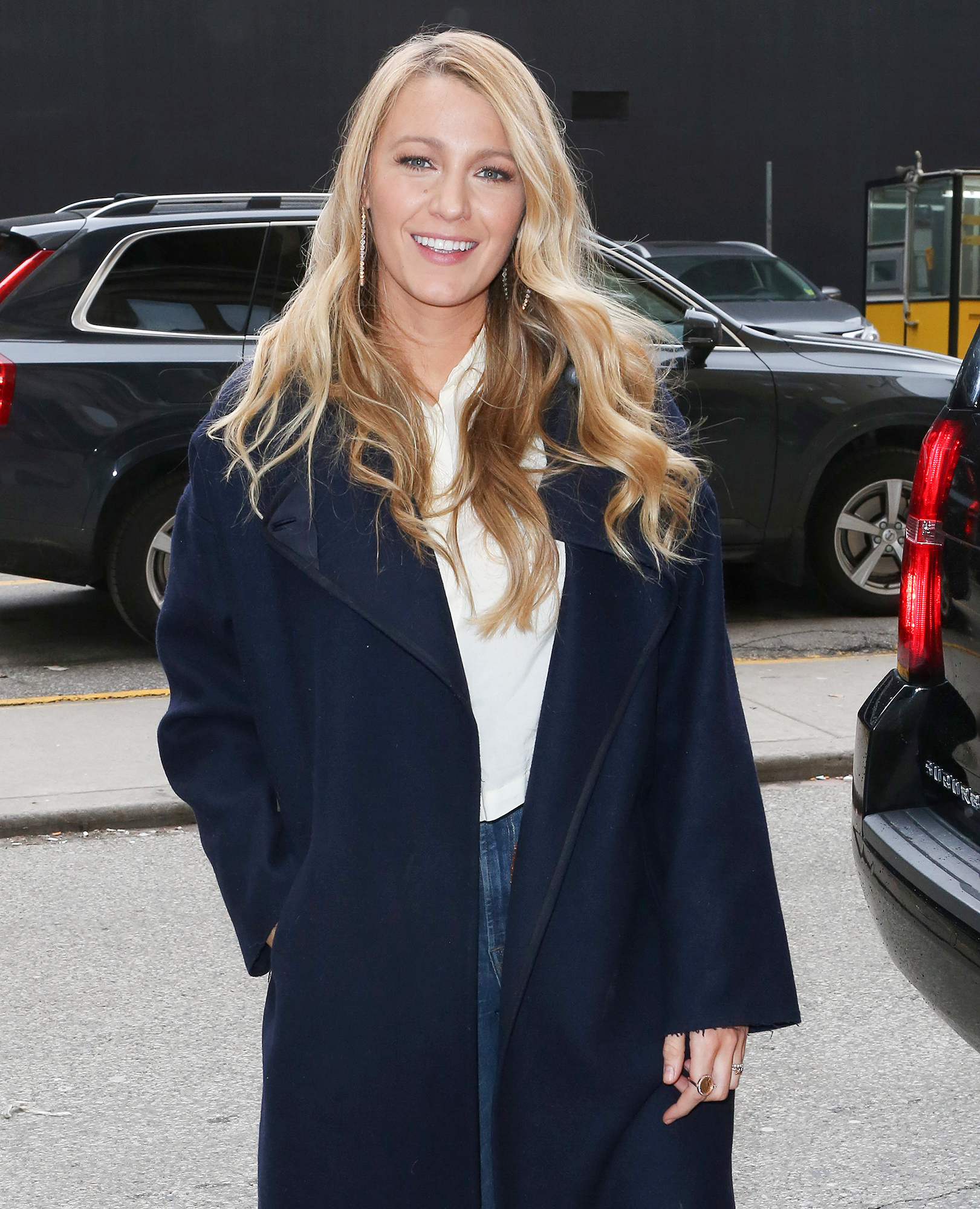 EXCLUSIVE: Blake Lively arriving to the L'Oreal Paris Women of Worth Gala in Toronto