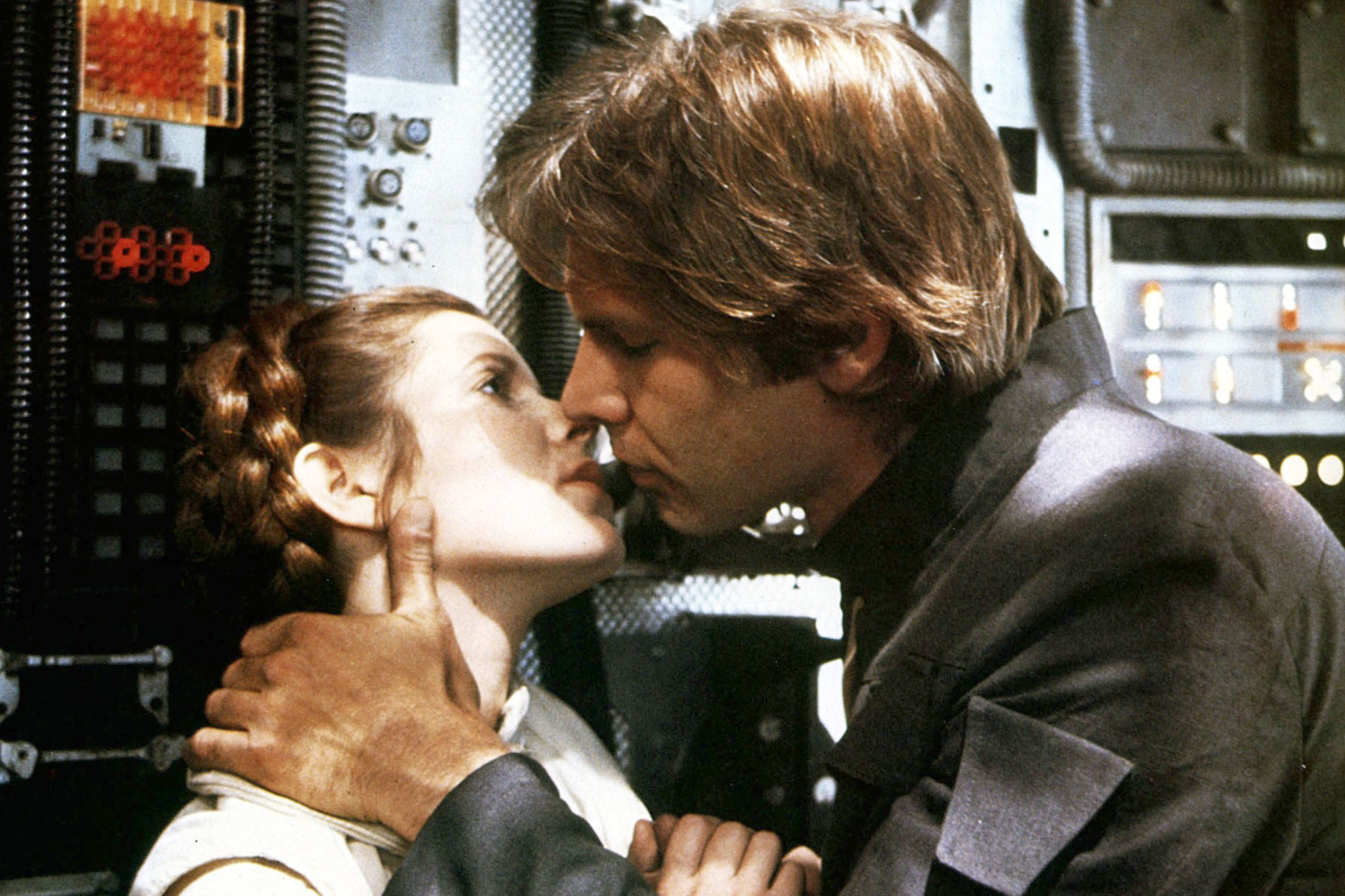 1E8706B0 STAR WARS EPISODE V - THE EMPIRE STRIKES BACK US 1980 CARRIE FISHER as Princess Leia HARRISON FORD as Han Solo STAR WARS EPISODE V - THE EMPIRE STRIKES BACK US 1980 CARRIE FISHER as Princess Leia HARRISON FORD as Han Solo Date 1980, , Photo by: Mary Evans/LUCASFILM/Ronald Grant/Everett Collection(10312456) STAR WARS: EPISODE V - THE EMPIRE STRIKES BACK Photo by: Mary Evans HTRA181 VV109