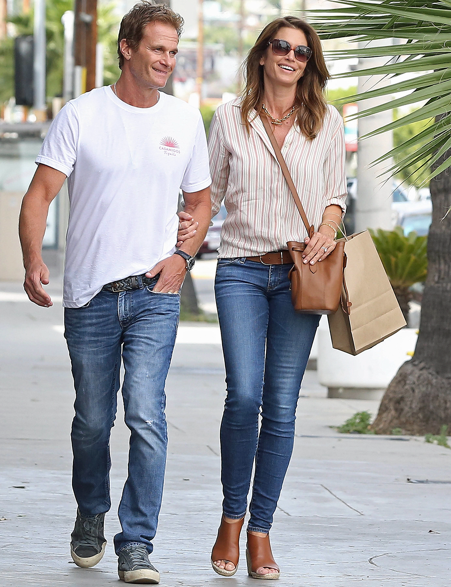 Cindy Crawford and Rande Gerber do Some Shopping on Melrose Place