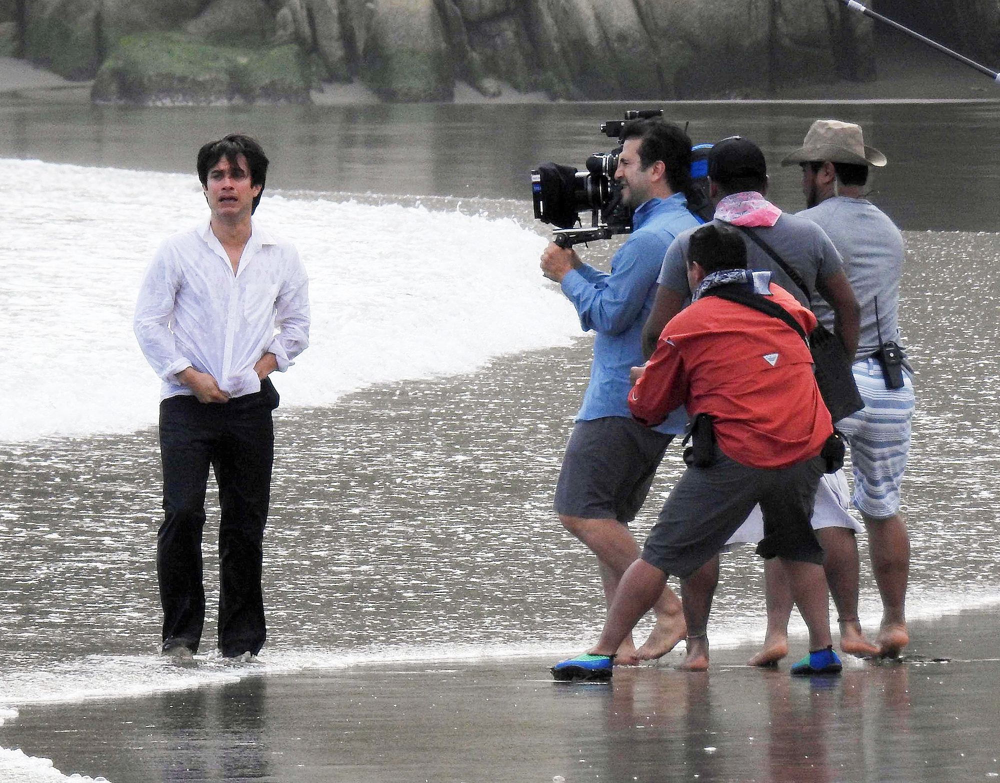 EXCLUSIVE: Mexican actor Gael Garcia Bernal shooting scenes for his new movie 'Museo' by director Alonso Ruizpalacios on the beach in Acapulco