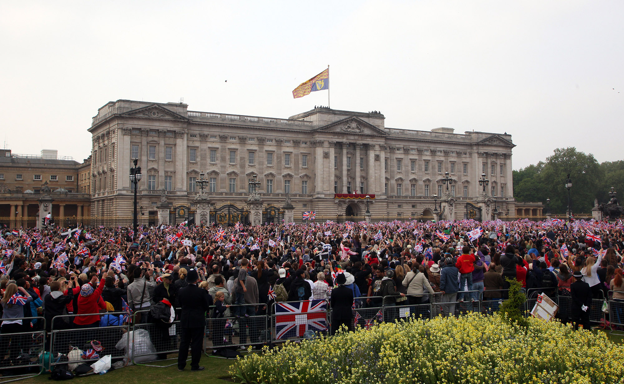 BRITAIN-ROYALS-MARRIAGE-BALCONY