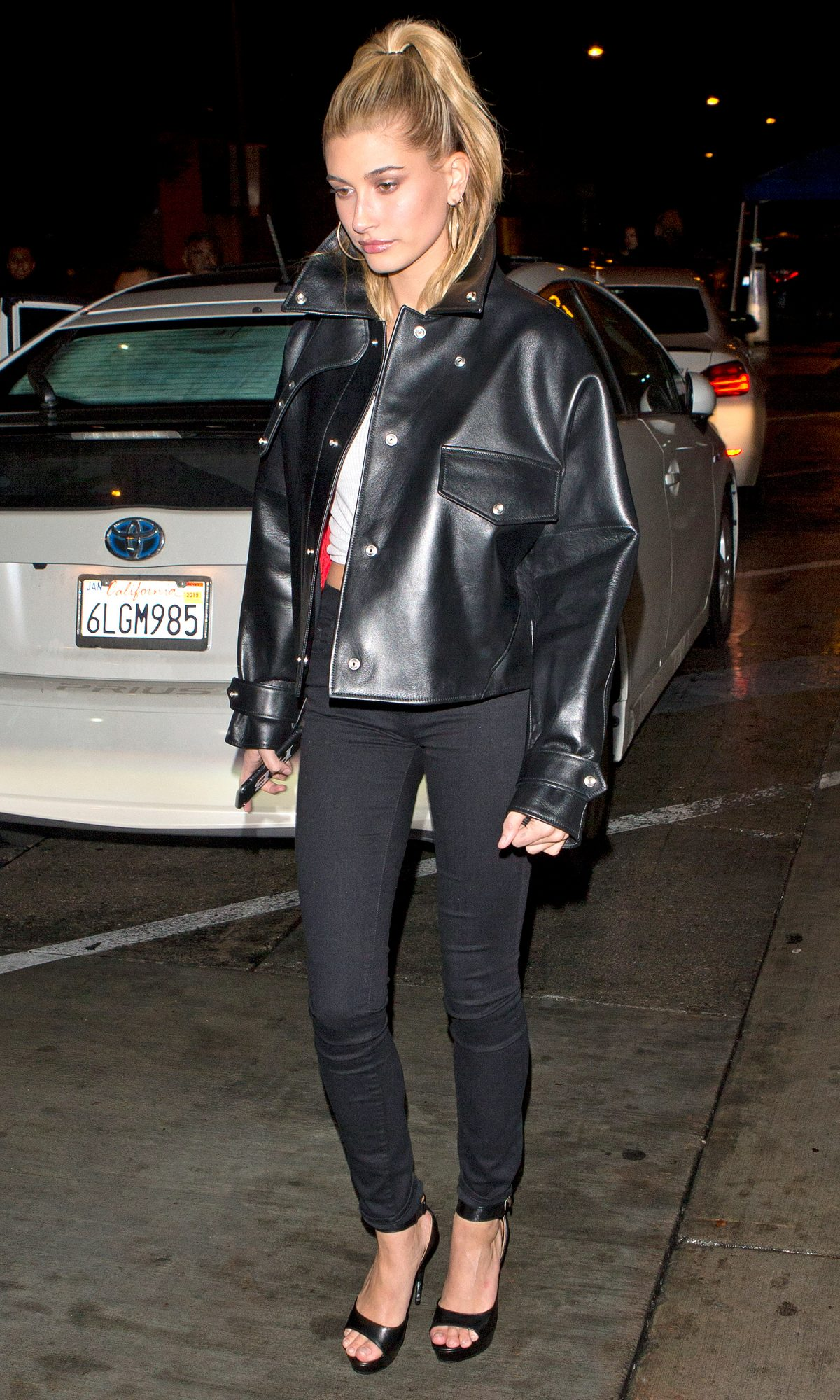 Hailey Baldwin seen on a date with BFF Kendall Jenners rumored Ex Lakers Star Boyfriend Jordan Clarkson at 'Catch' Restaurant in West Hollywood, CA