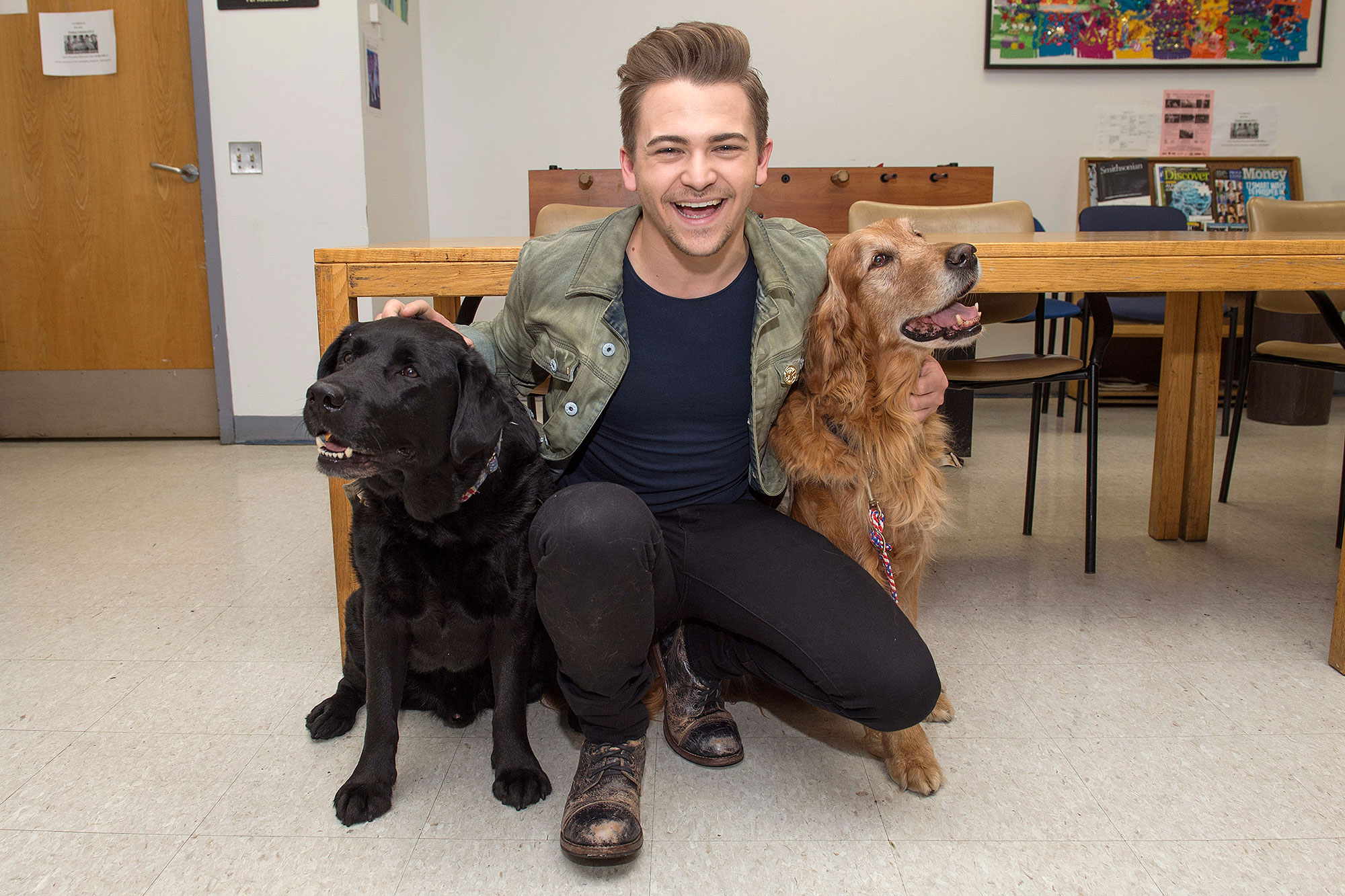 hunter-hayes-dogs