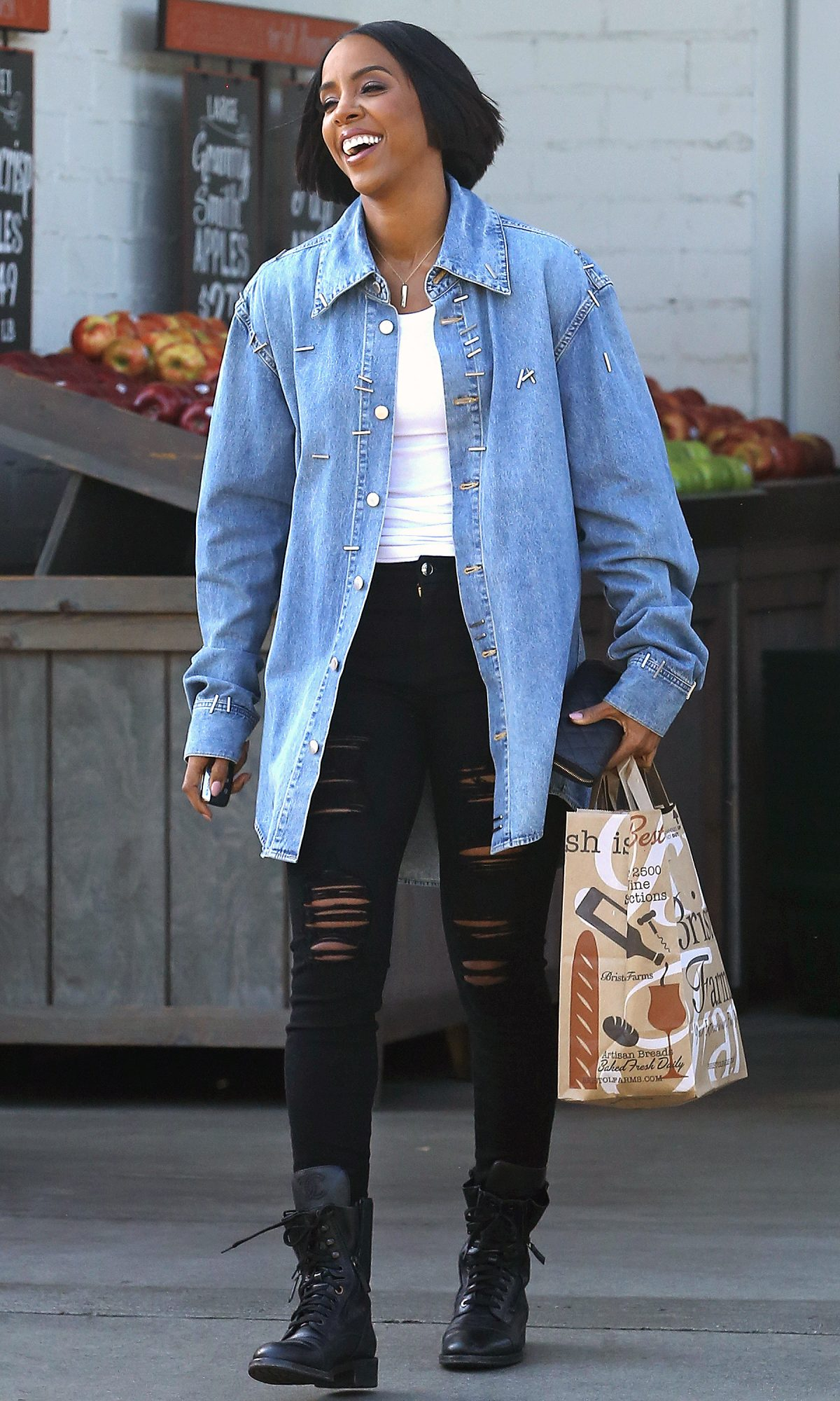 *EXCLUSIVE* Kelly Rowland beams as she leaves Bristol Farms after shopping with a friend