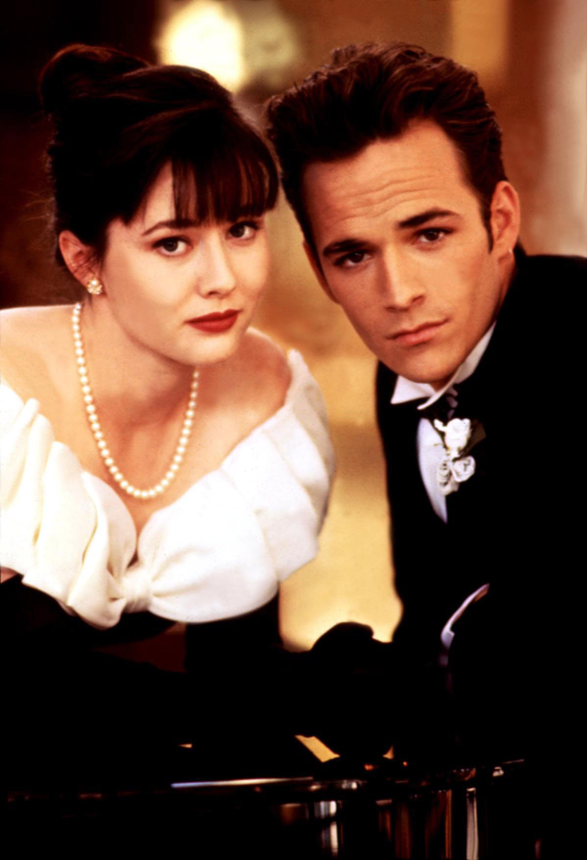 BEVERLY HILLS, 90210, 1990-2000, Shannen Doherty, Luke Perry, 1990-94