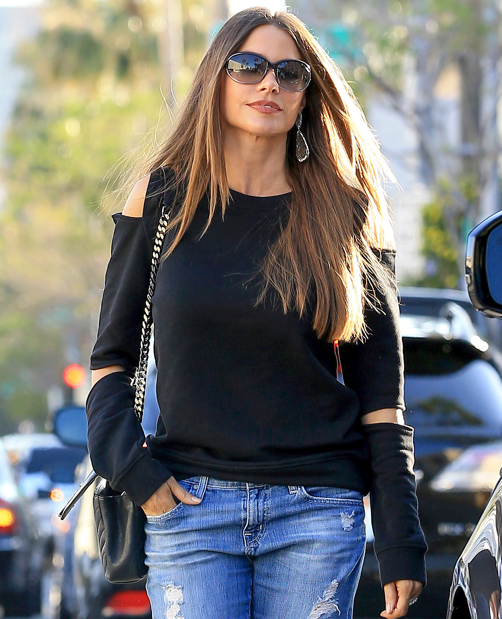 Exclusive... Sofia Vergara Looks Stylish During A Lunch Outing