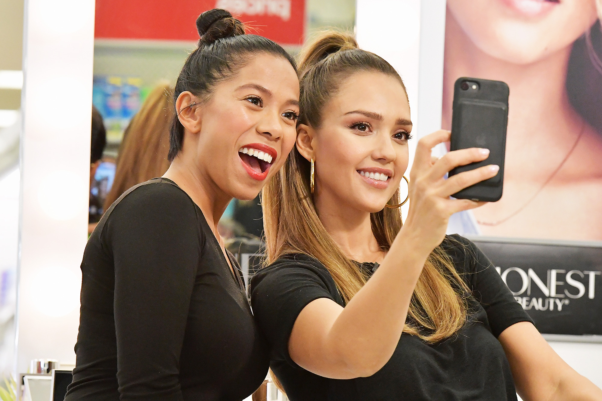 Jessica Alba Surprises Target Guests With Honest Beauty Makeovers