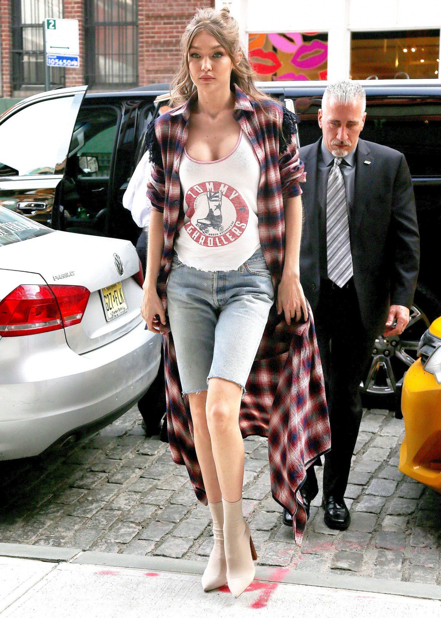Gigi Hadid out and about, New York, USA - 11 Apr 2017
