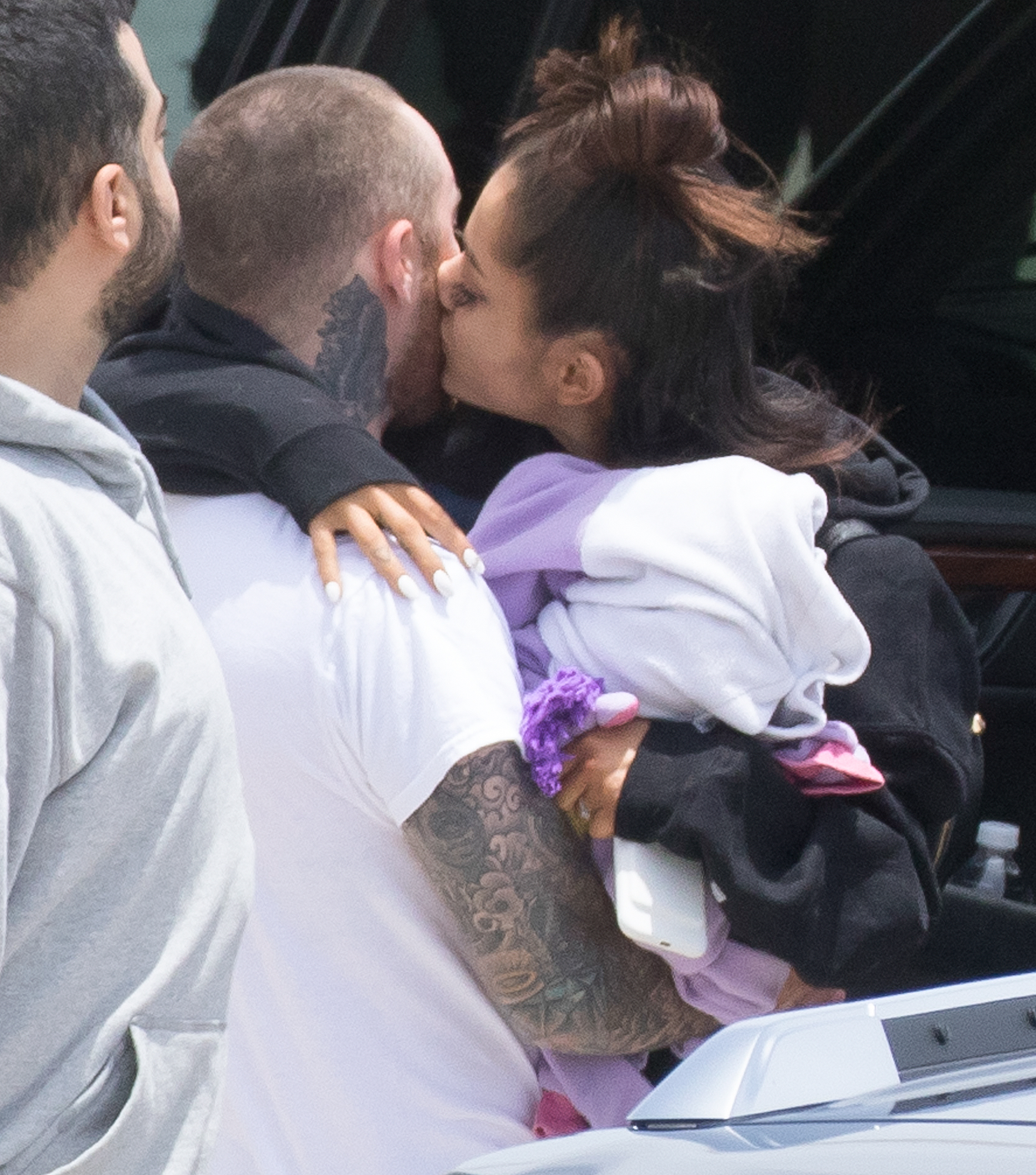 *PREMIUM EXCLUSIVE* Ariana Grande goes home to Family