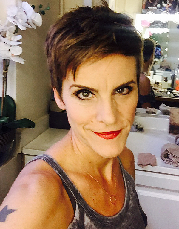 Come-From-Away_Jenn-Colella_2