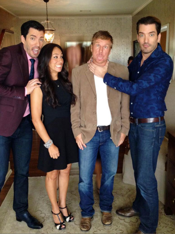 drew-scott-joanna-gaines-chip-gaines-jonathan-scott