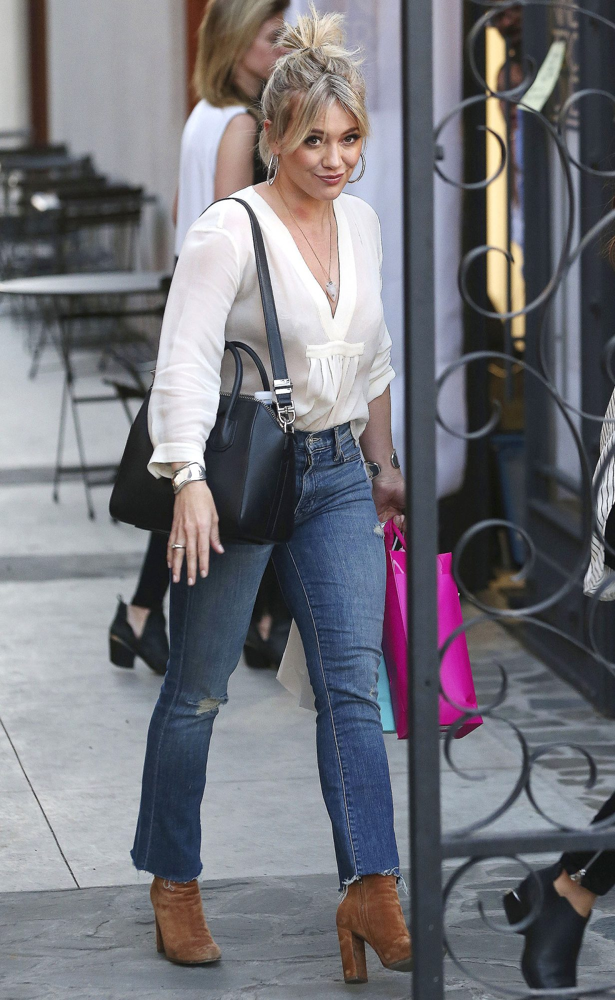 Hilary Duff Gets Her Hair Done In West Hollywood